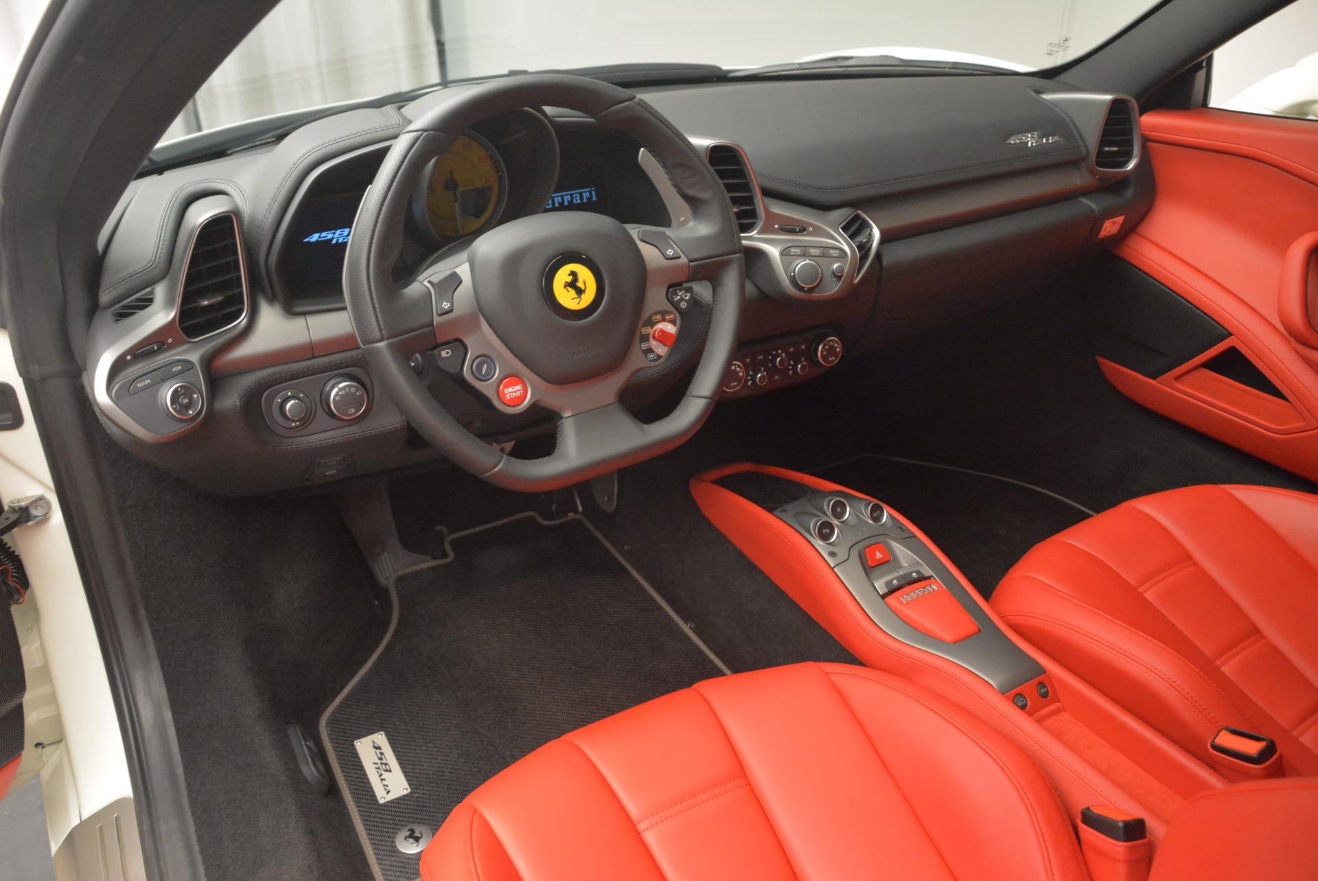 Used 2014 Ferrari 458 Italia  For Sale In Greenwich, CT 2260_p13