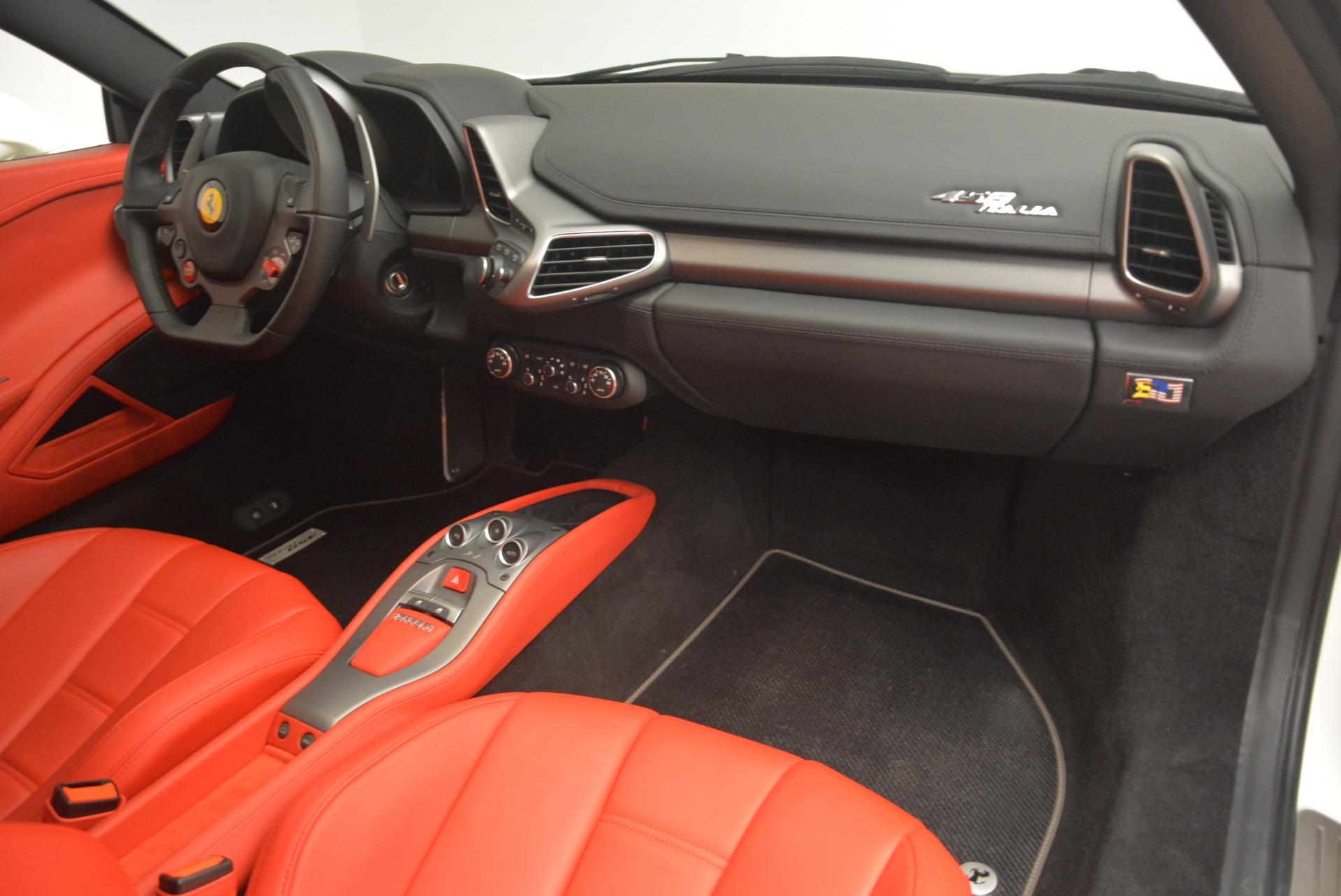 Used 2014 Ferrari 458 Italia  For Sale In Greenwich, CT 2260_p17