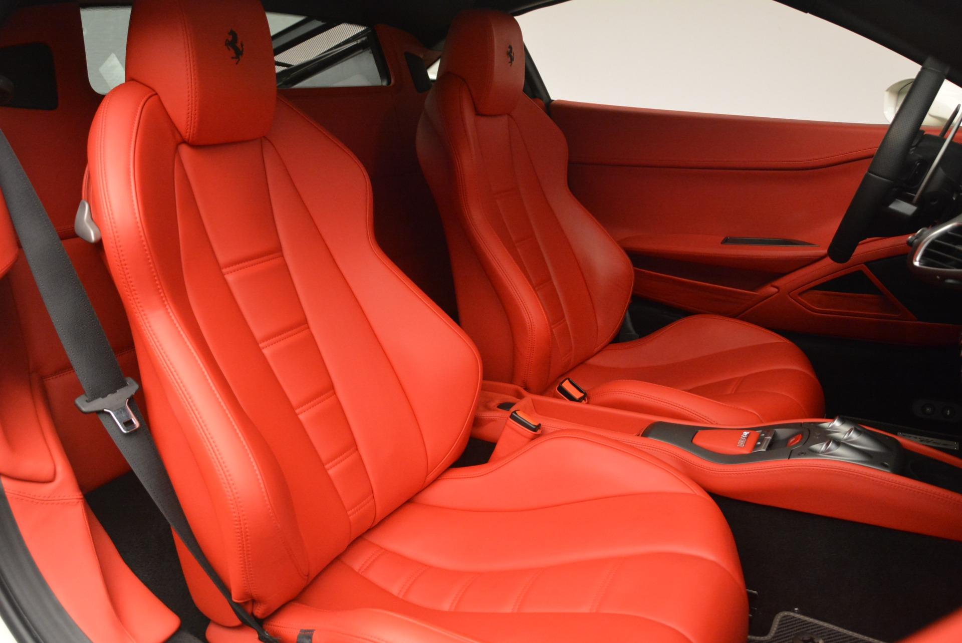 Used 2014 Ferrari 458 Italia  For Sale In Greenwich, CT 2260_p19