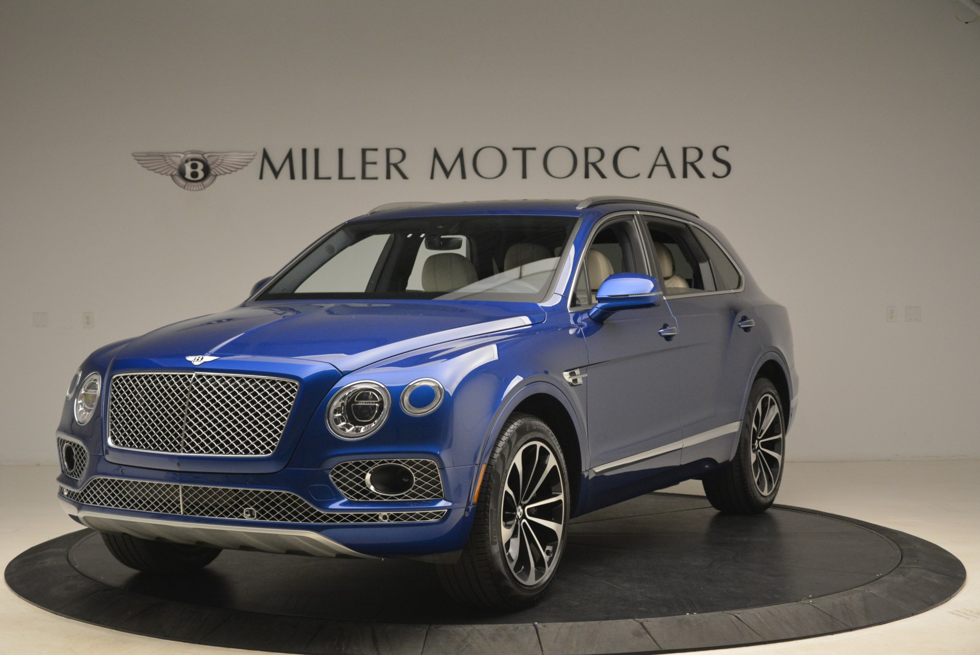 Used 2018 Bentley Bentayga W12 Signature For Sale In Greenwich, CT 2265_main