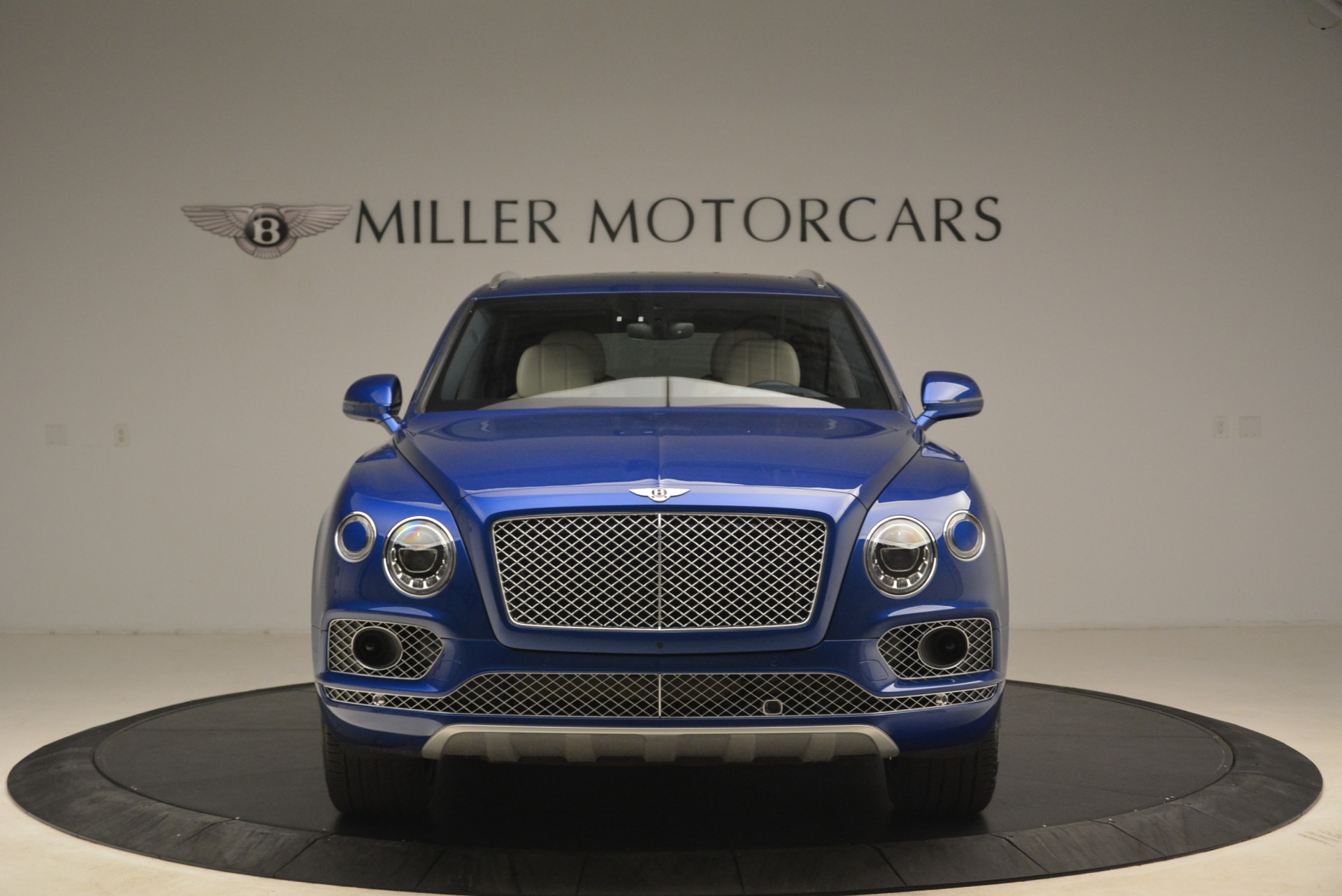 Used 2018 Bentley Bentayga W12 Signature For Sale In Greenwich, CT 2265_p12