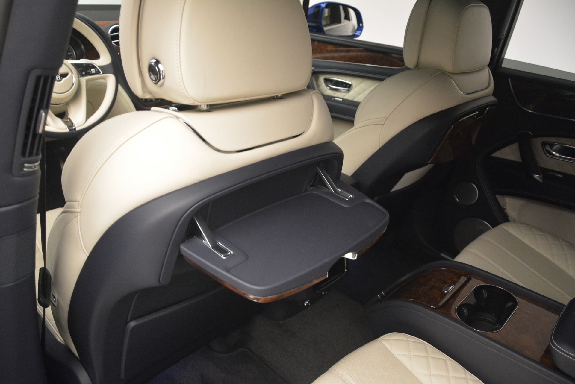 Used 2018 Bentley Bentayga W12 Signature For Sale In Greenwich, CT 2265_p20