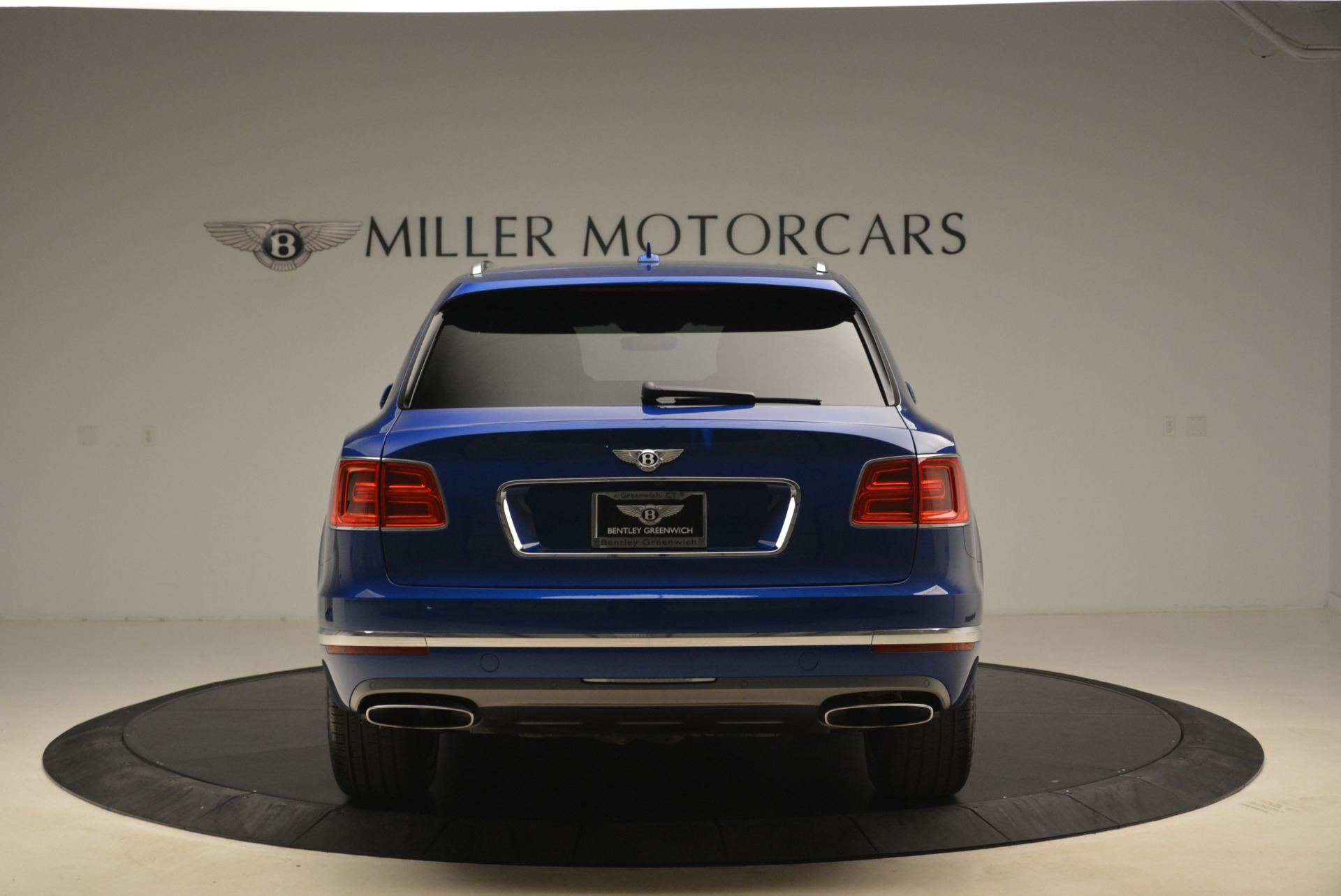 Used 2018 Bentley Bentayga W12 Signature For Sale In Greenwich, CT 2265_p6