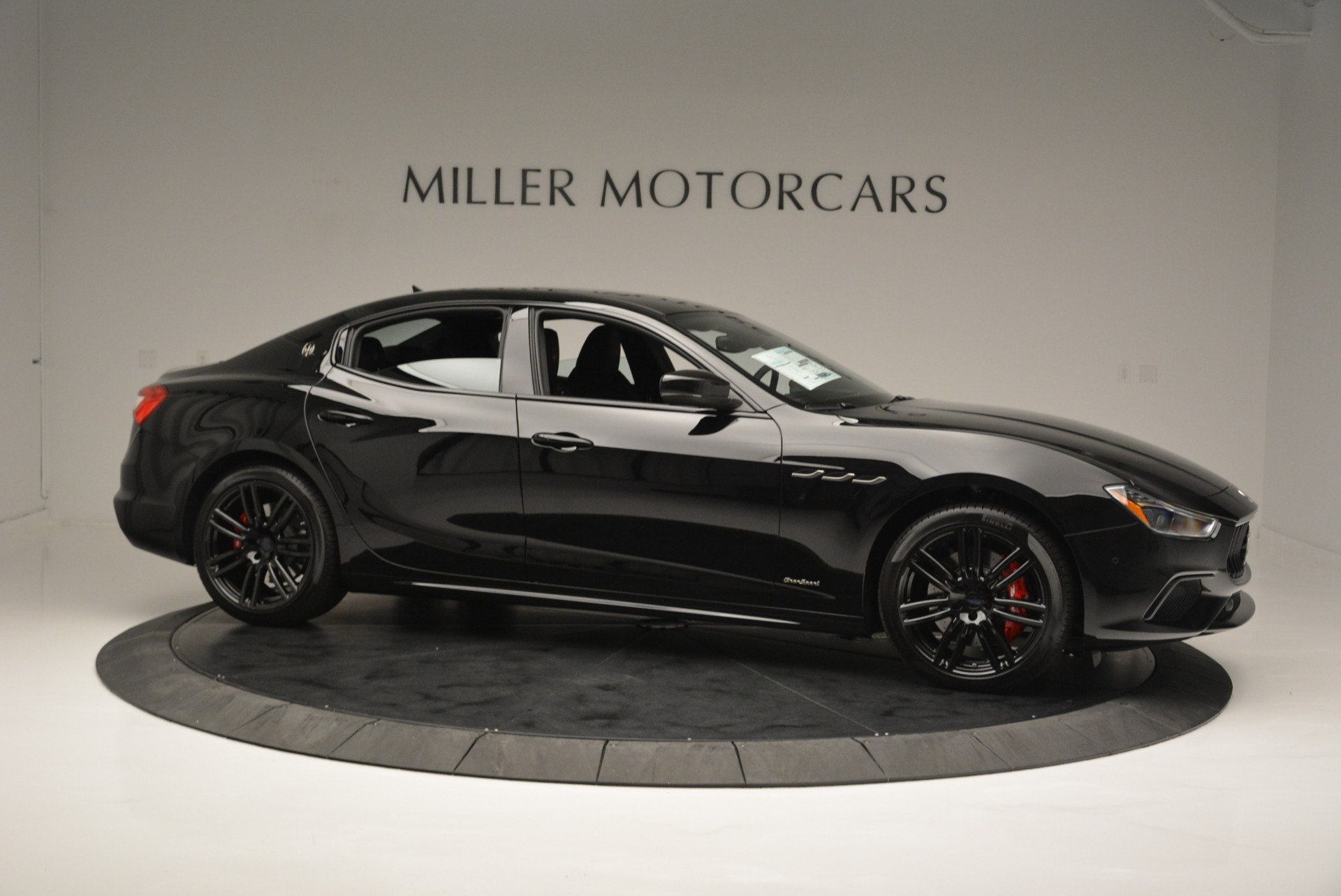 New 2018 Maserati Ghibli SQ4 GranSport Nerissimo For Sale In Greenwich, CT 2278_p10