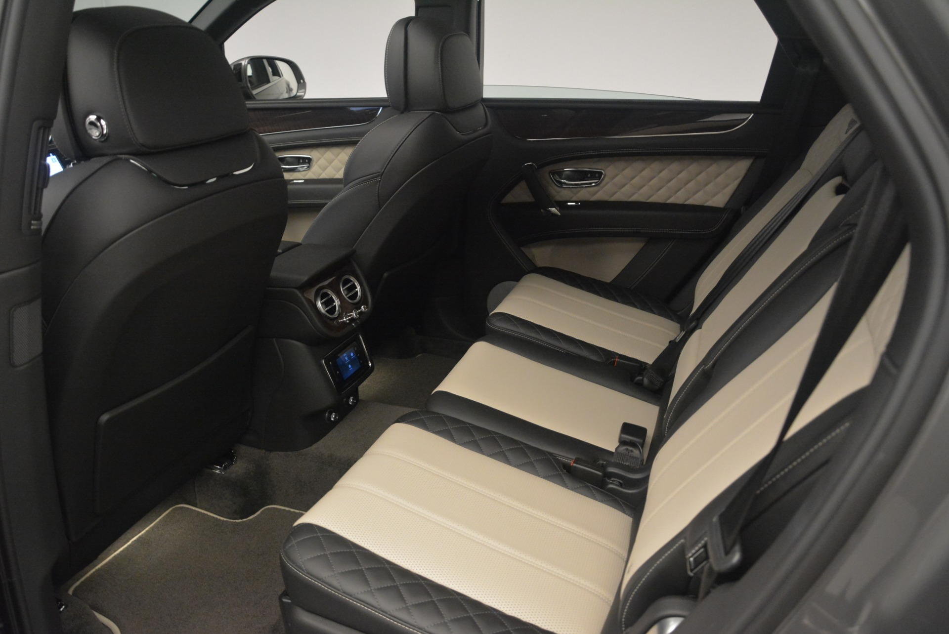 New 2018 Bentley Bentayga W12 Activity For Sale In Greenwich, CT 2280_p21