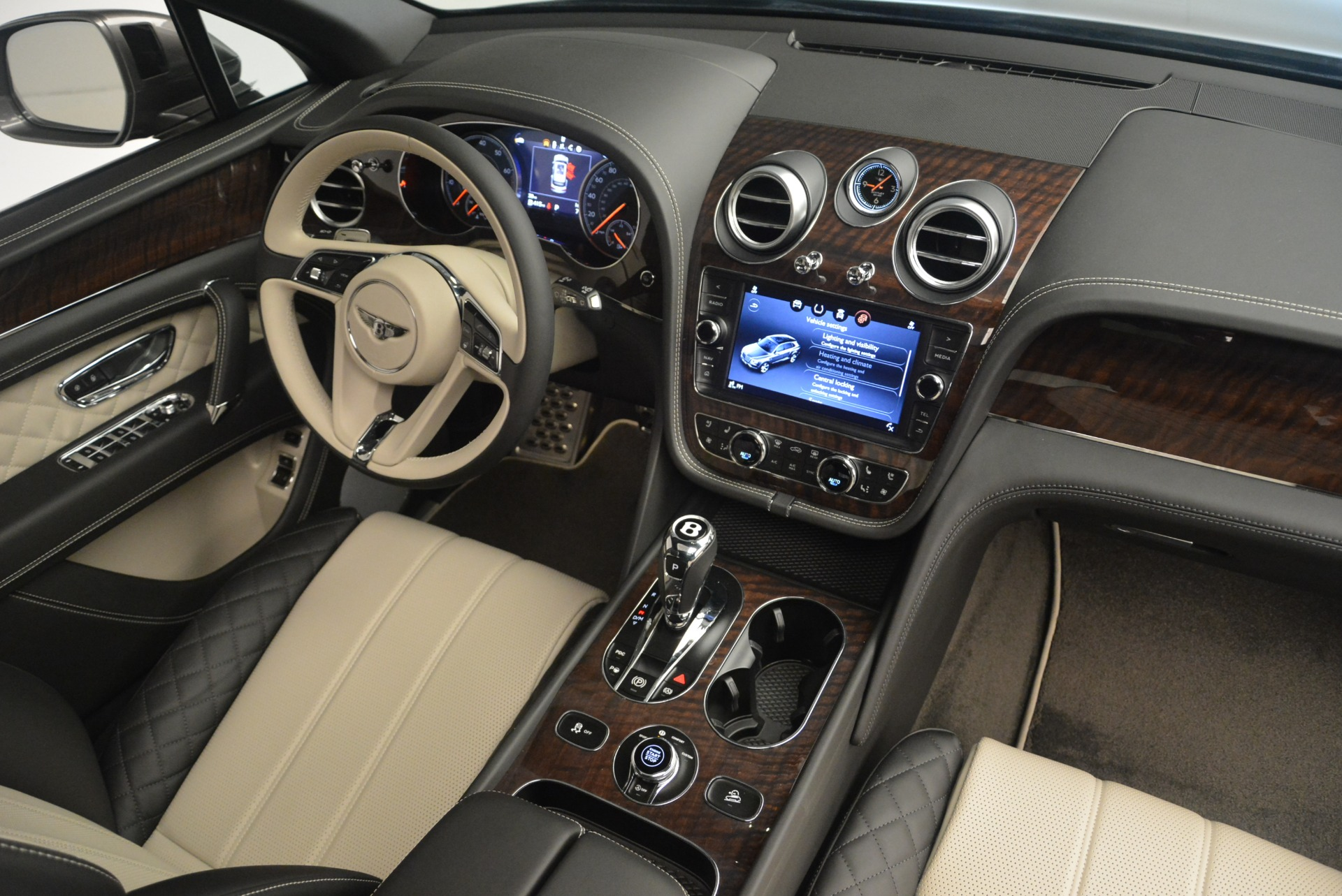 New 2018 Bentley Bentayga W12 Activity For Sale In Greenwich, CT 2280_p30