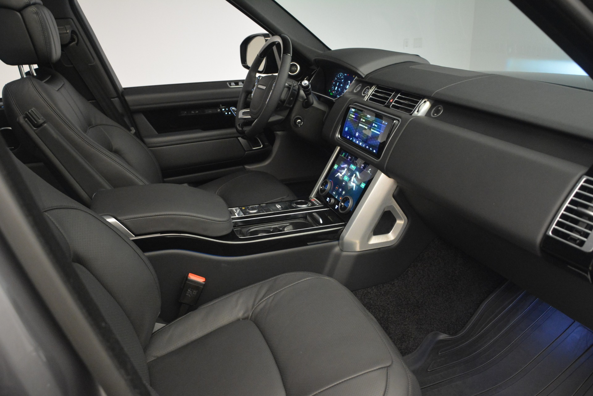 Used 2018 Land Rover Range Rover Supercharged LWB For Sale In Greenwich, CT 2291_p29