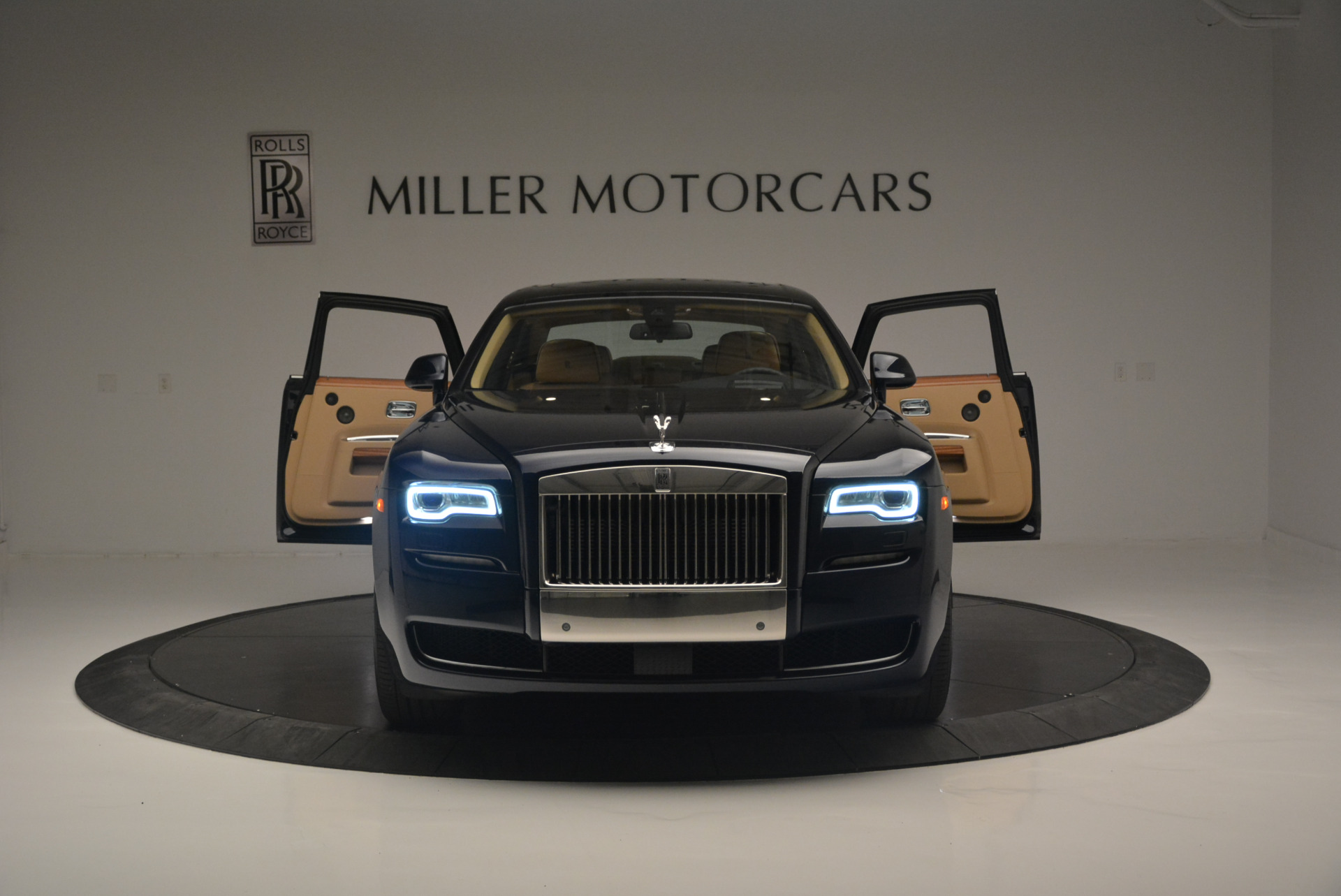 Used 2015 Rolls-Royce Ghost  For Sale In Greenwich, CT 2297_p13