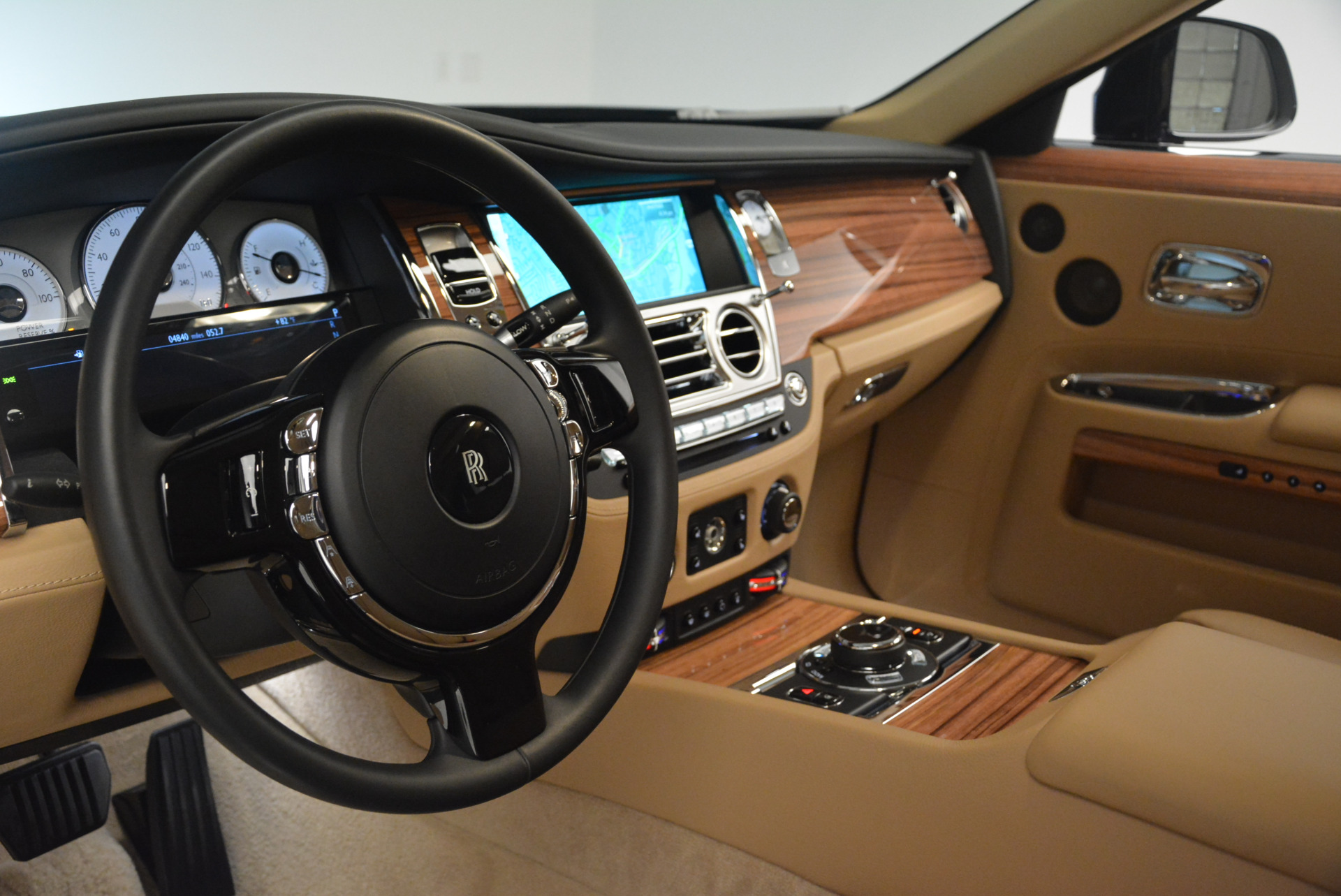 Used 2015 Rolls-Royce Ghost  For Sale In Greenwich, CT 2297_p20
