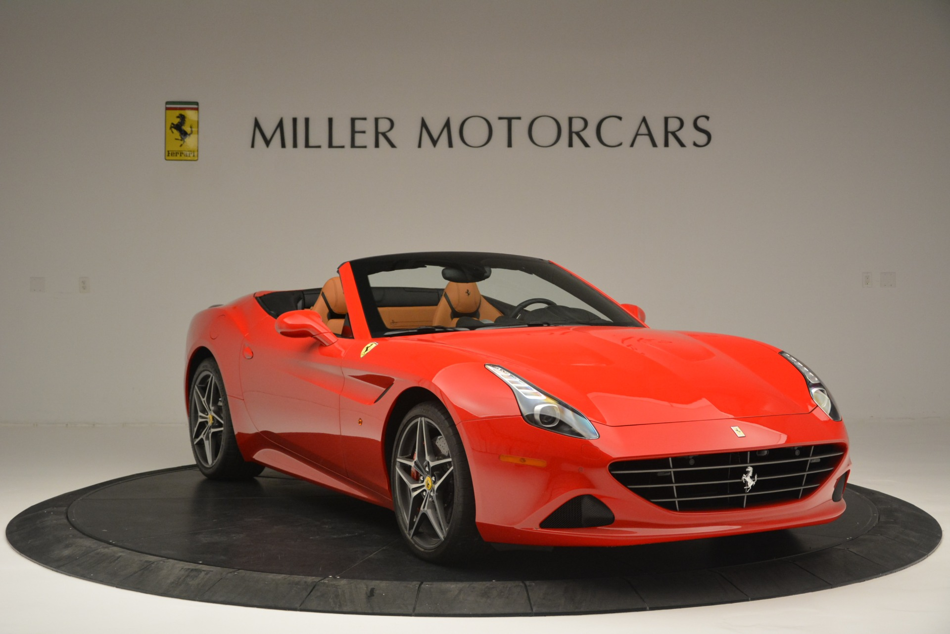 Used 2016 Ferrari California T Handling Speciale For Sale In Greenwich, CT 2298_p11