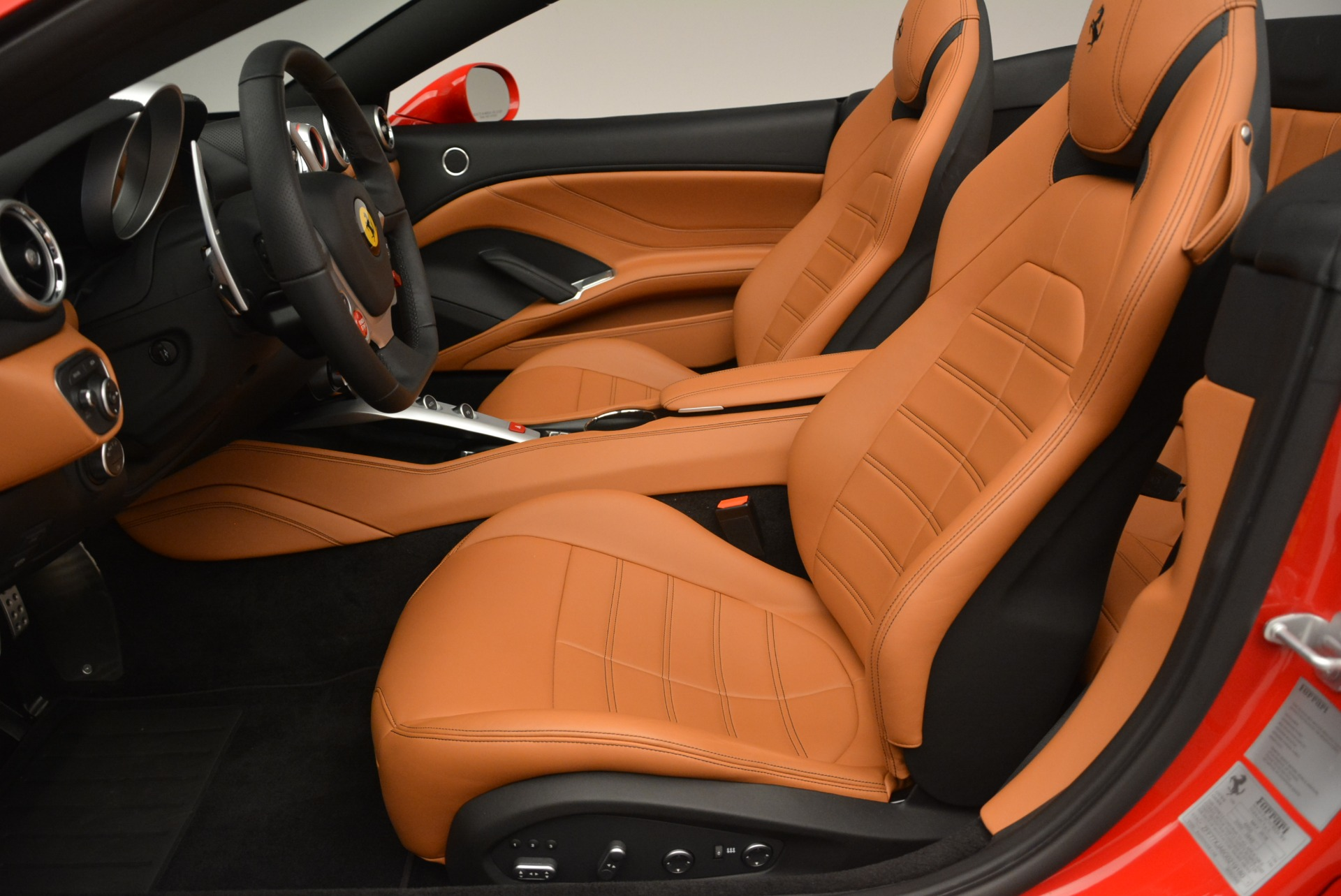 Used 2016 Ferrari California T Handling Speciale For Sale In Greenwich, CT 2298_p26