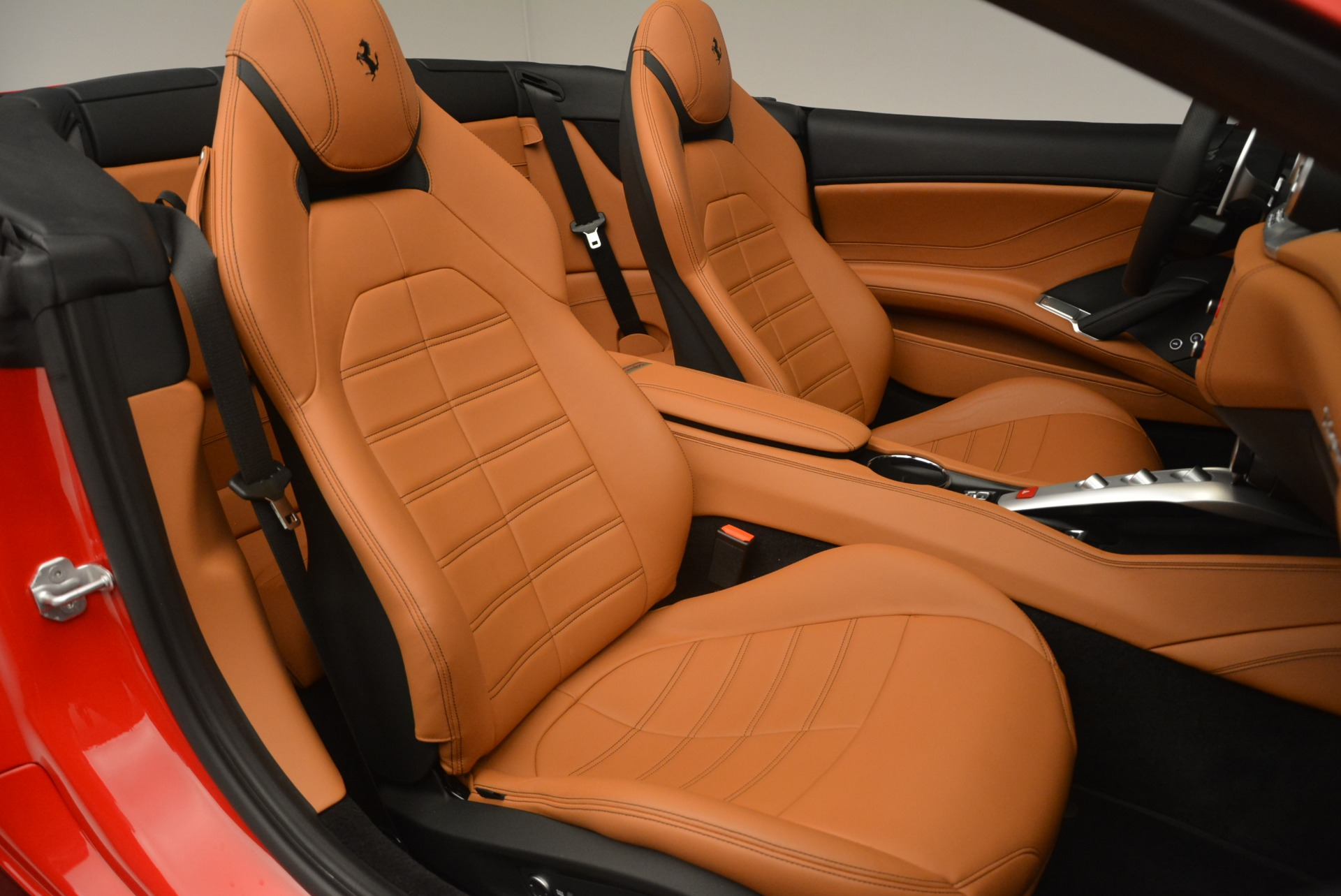 Used 2016 Ferrari California T Handling Speciale For Sale In Greenwich, CT 2298_p32