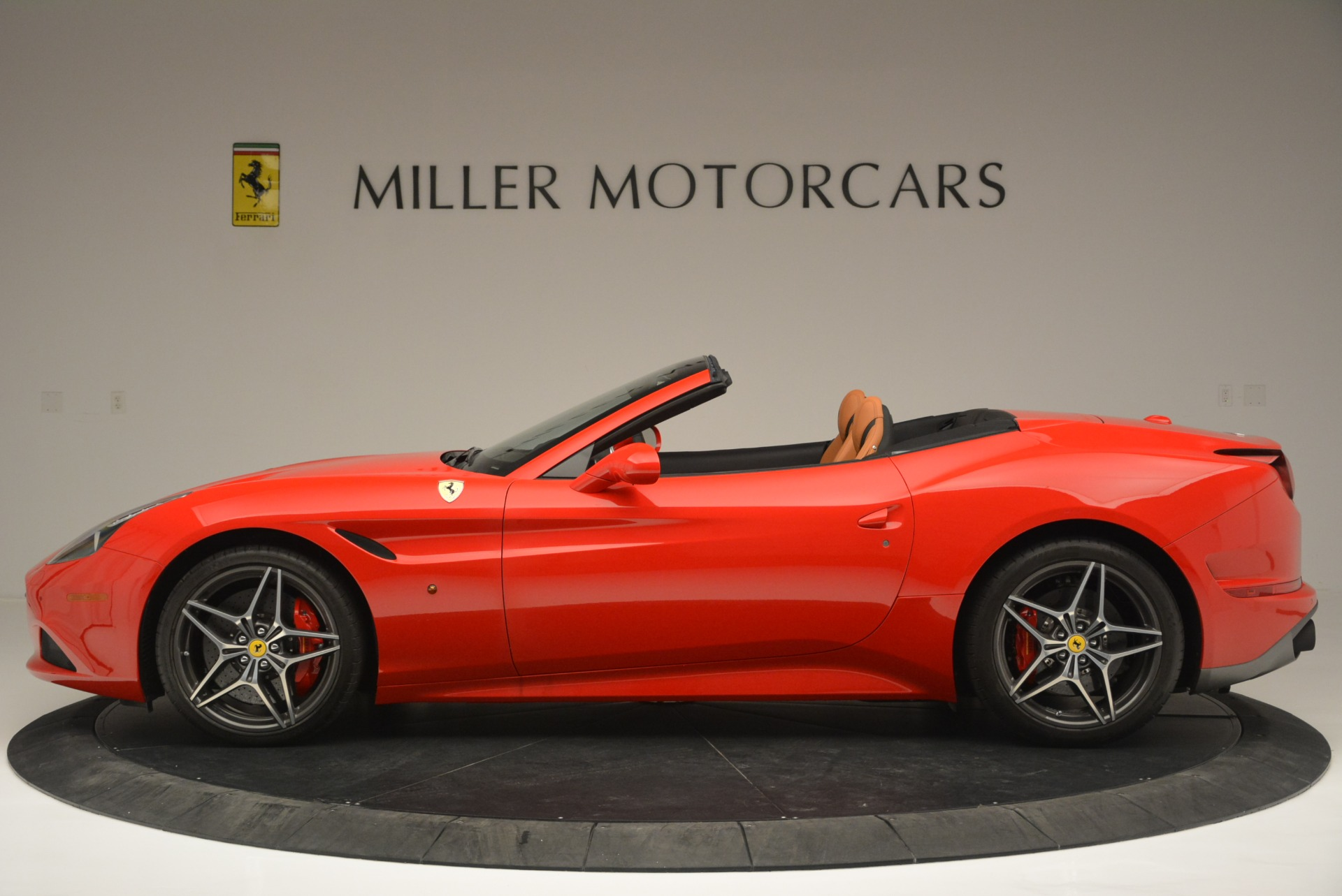 Used 2016 Ferrari California T Handling Speciale For Sale In Greenwich, CT 2298_p3