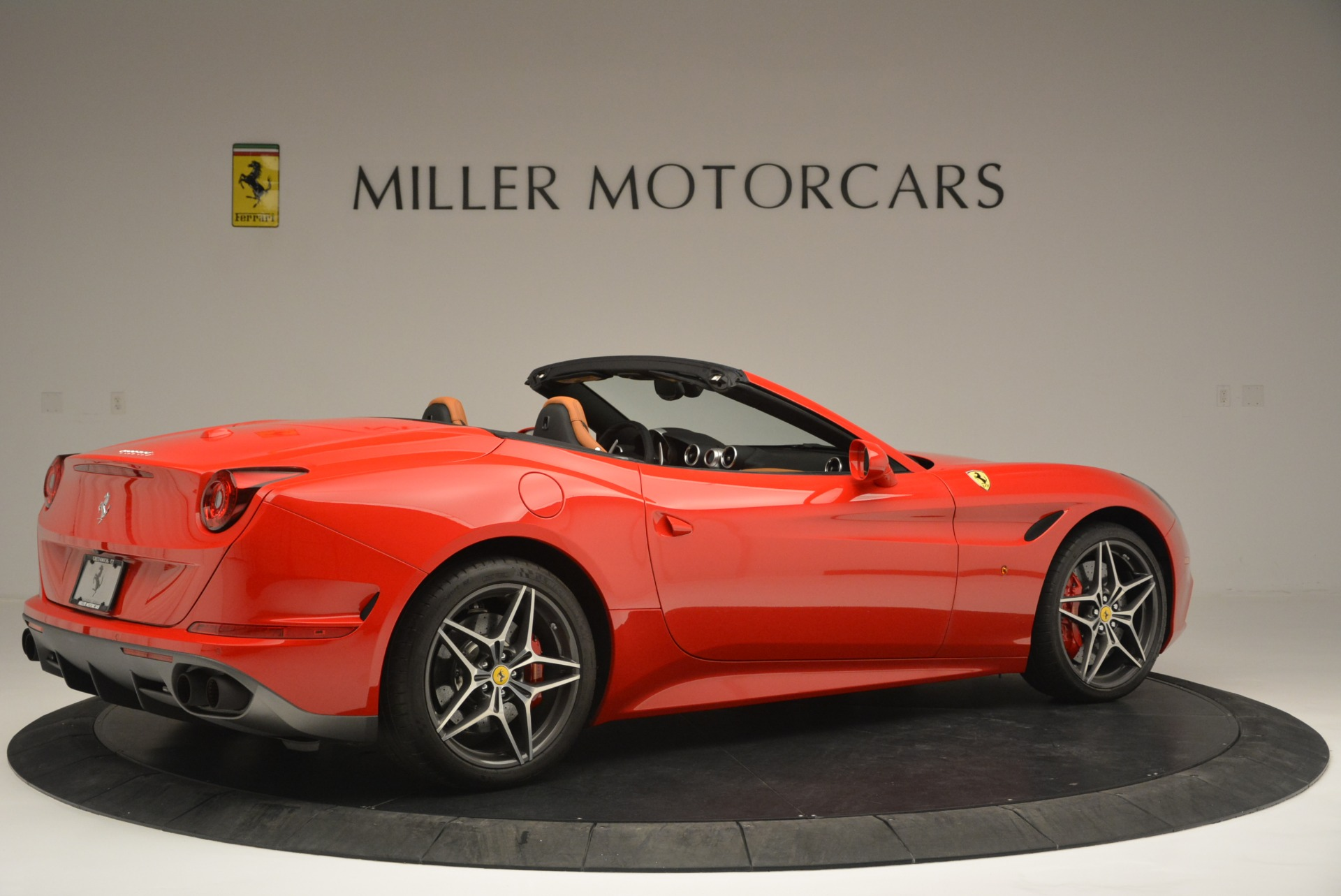 Used 2016 Ferrari California T Handling Speciale For Sale In Greenwich, CT 2298_p8
