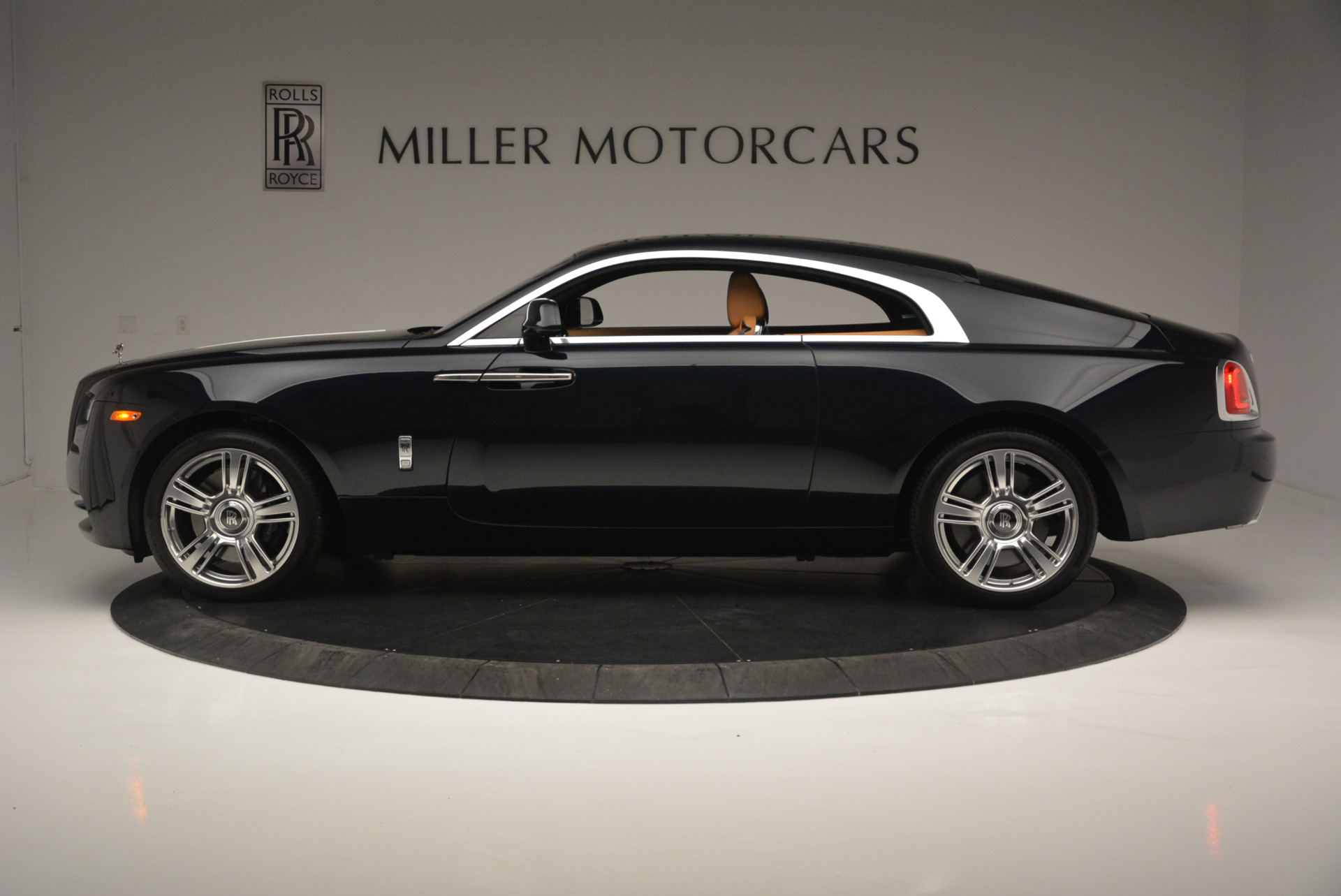 Used 2014 Rolls-Royce Wraith  For Sale In Greenwich, CT 2305_p3
