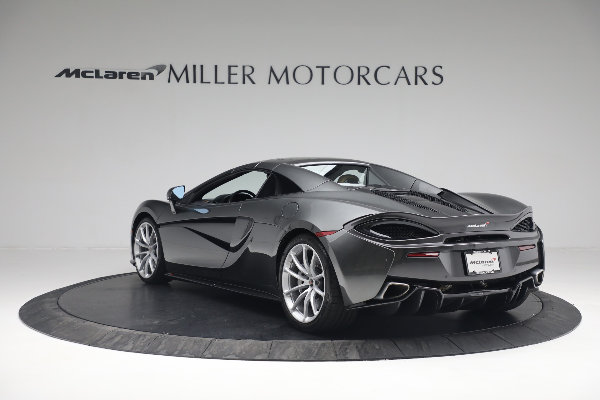 Used 2018 McLaren 570S Spider For Sale In Greenwich, CT 2308_p18