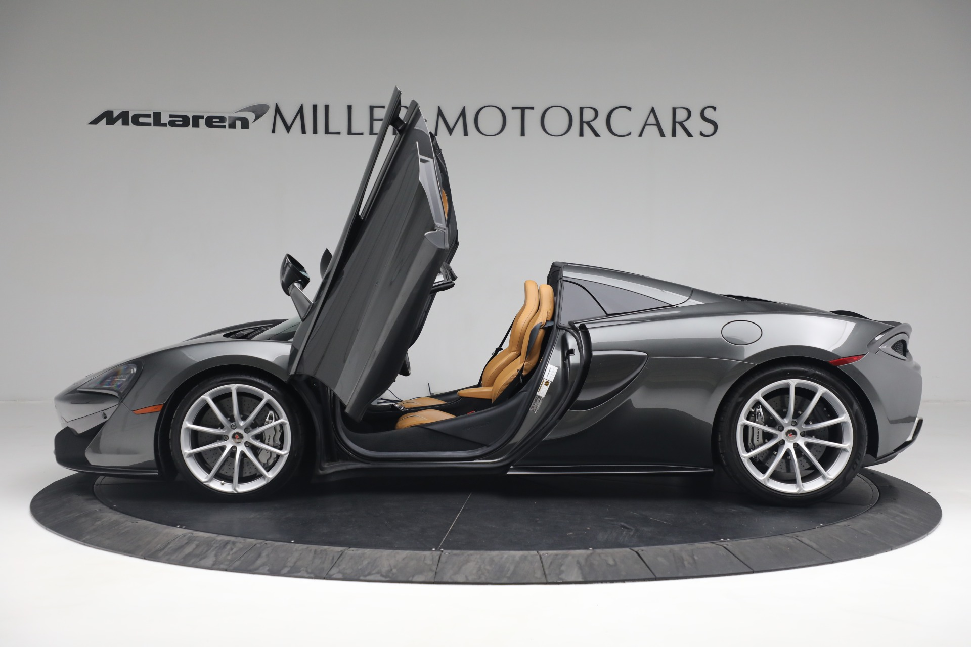 Used 2018 McLaren 570S Spider For Sale In Greenwich, CT 2308_p22