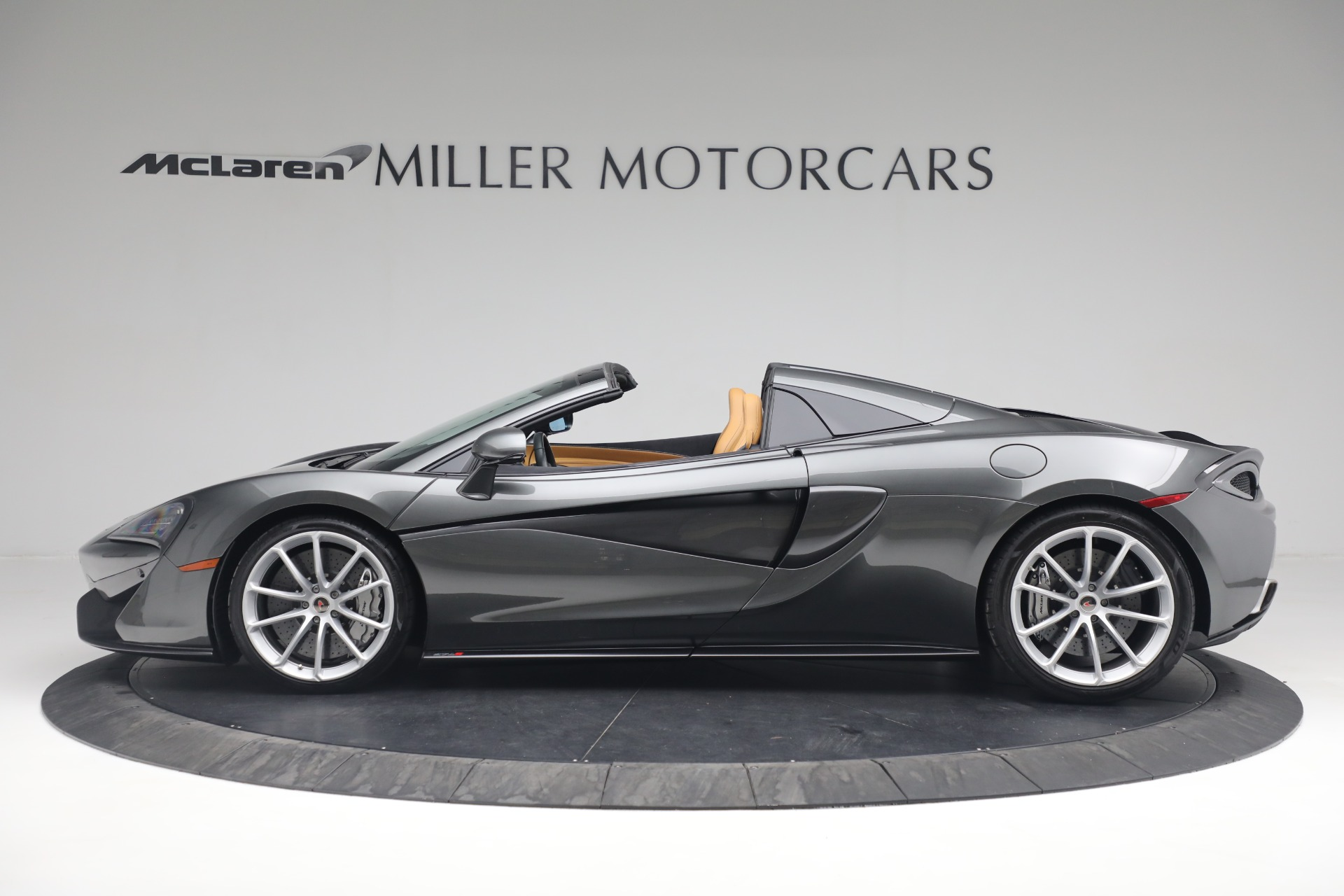 Used 2018 McLaren 570S Spider For Sale In Greenwich, CT 2308_p3
