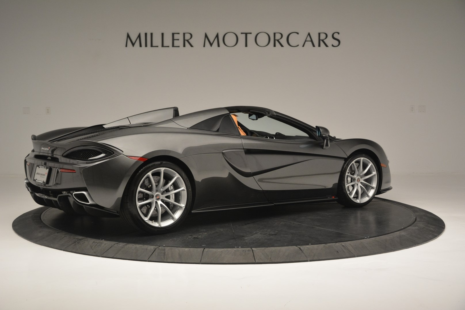 Used 2018 McLaren 570S Spider For Sale In Greenwich, CT 2308_p8