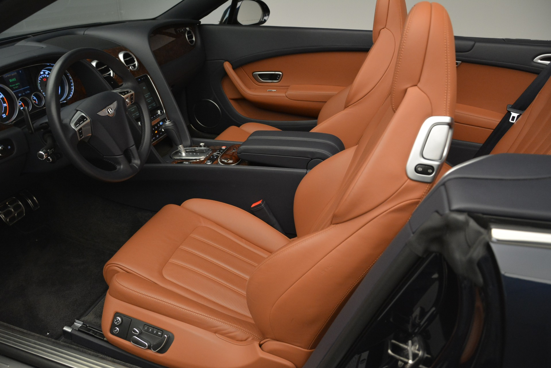 Used 2015 Bentley Continental GT V8 For Sale In Greenwich, CT 2310_p21