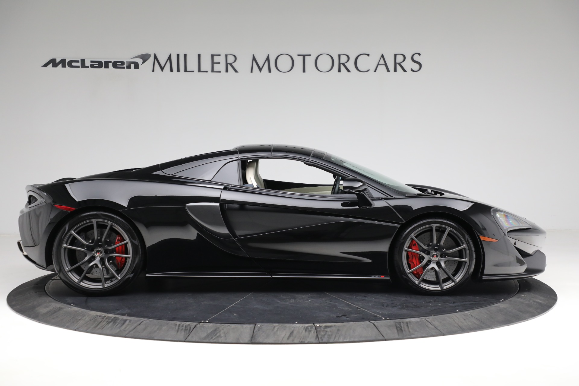 New 2018 McLaren 570S Spider For Sale In Greenwich, CT 2312_p17