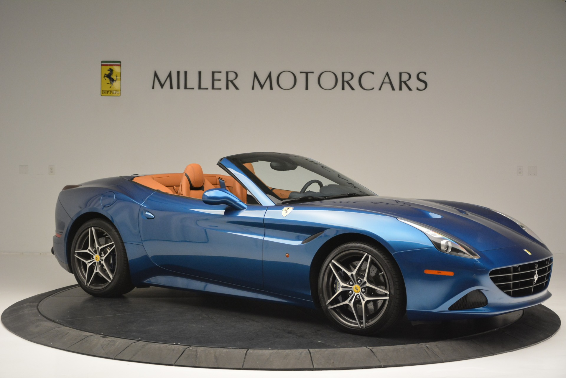 Used 2017 Ferrari California T Handling Speciale For Sale In Greenwich, CT 2313_p10