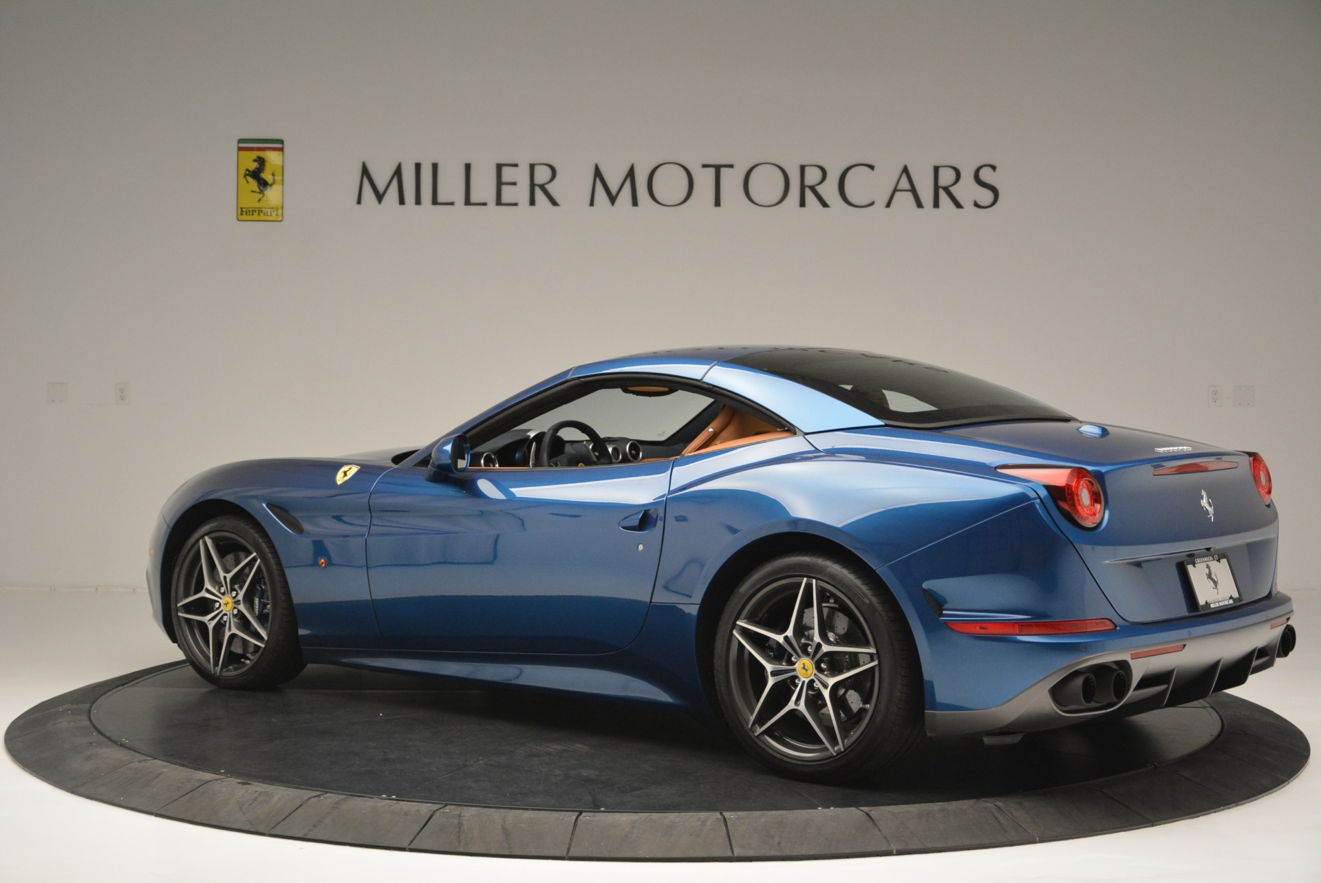 Used 2017 Ferrari California T Handling Speciale For Sale In Greenwich, CT 2313_p16