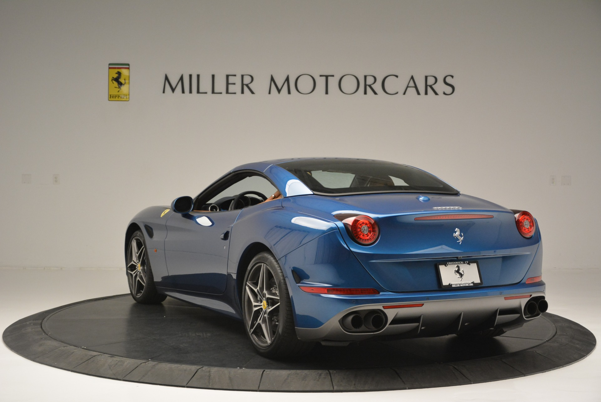 Used 2017 Ferrari California T Handling Speciale For Sale In Greenwich, CT 2313_p17