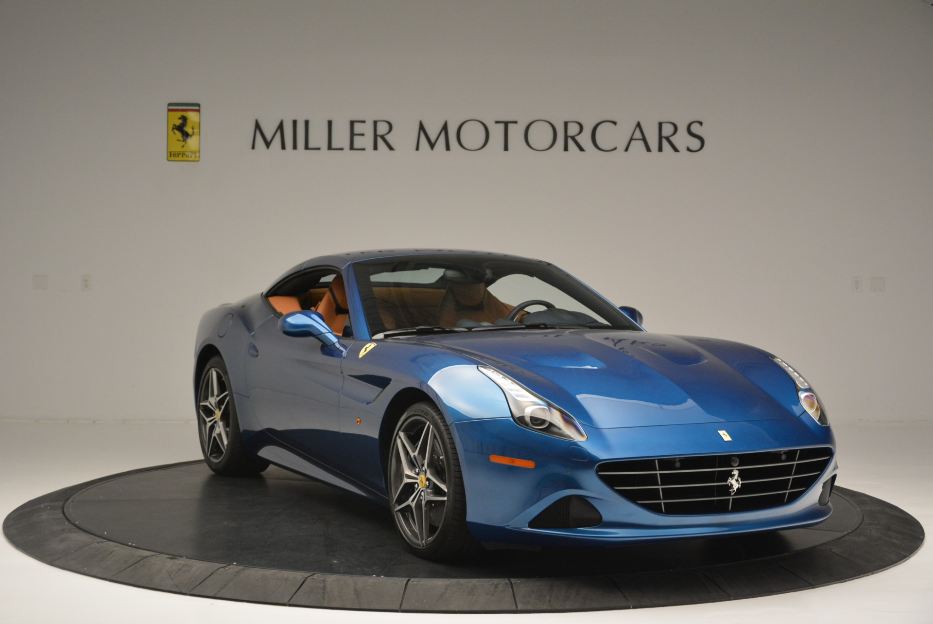 Used 2017 Ferrari California T Handling Speciale For Sale In Greenwich, CT 2313_p23