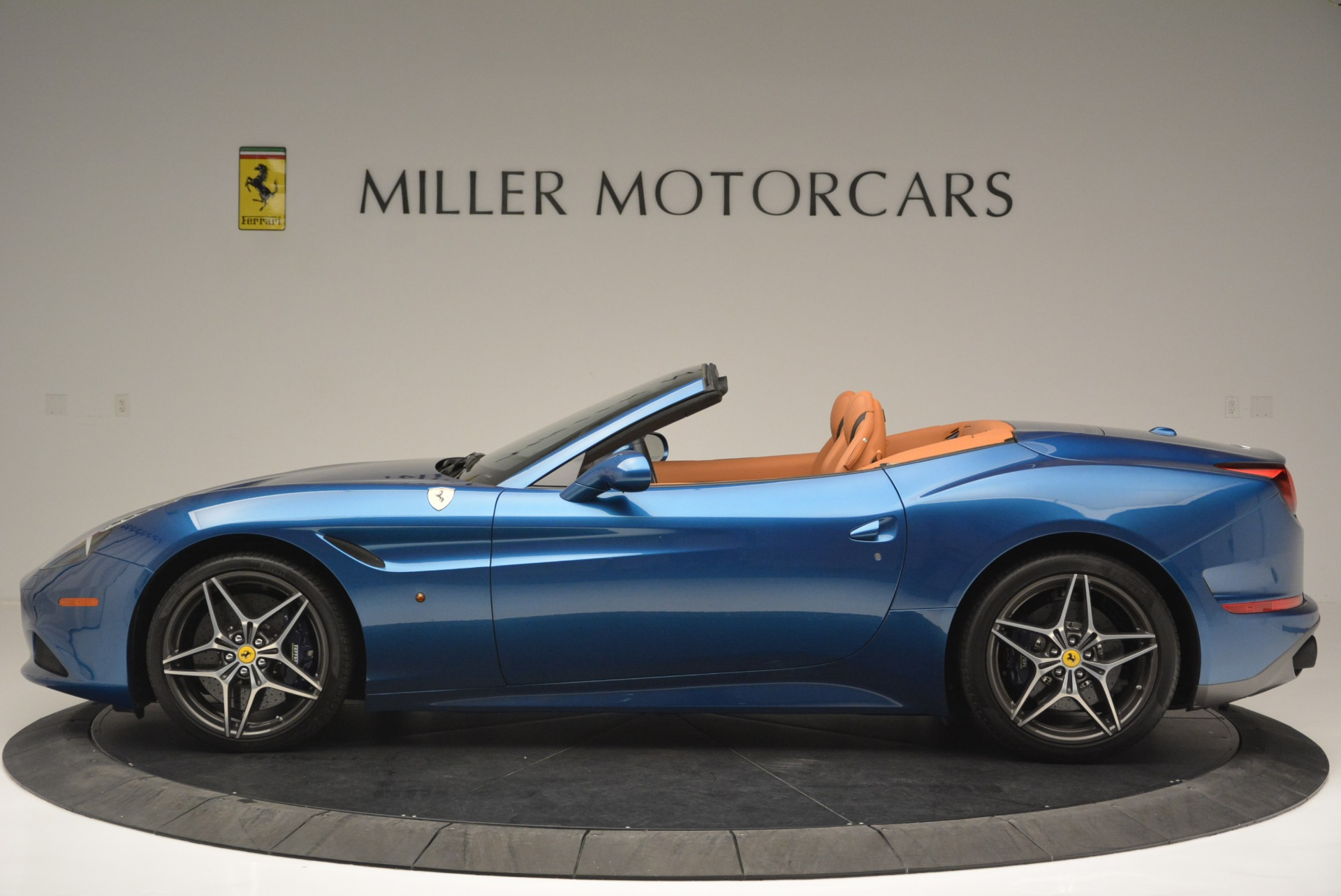 Used 2017 Ferrari California T Handling Speciale For Sale In Greenwich, CT 2313_p3