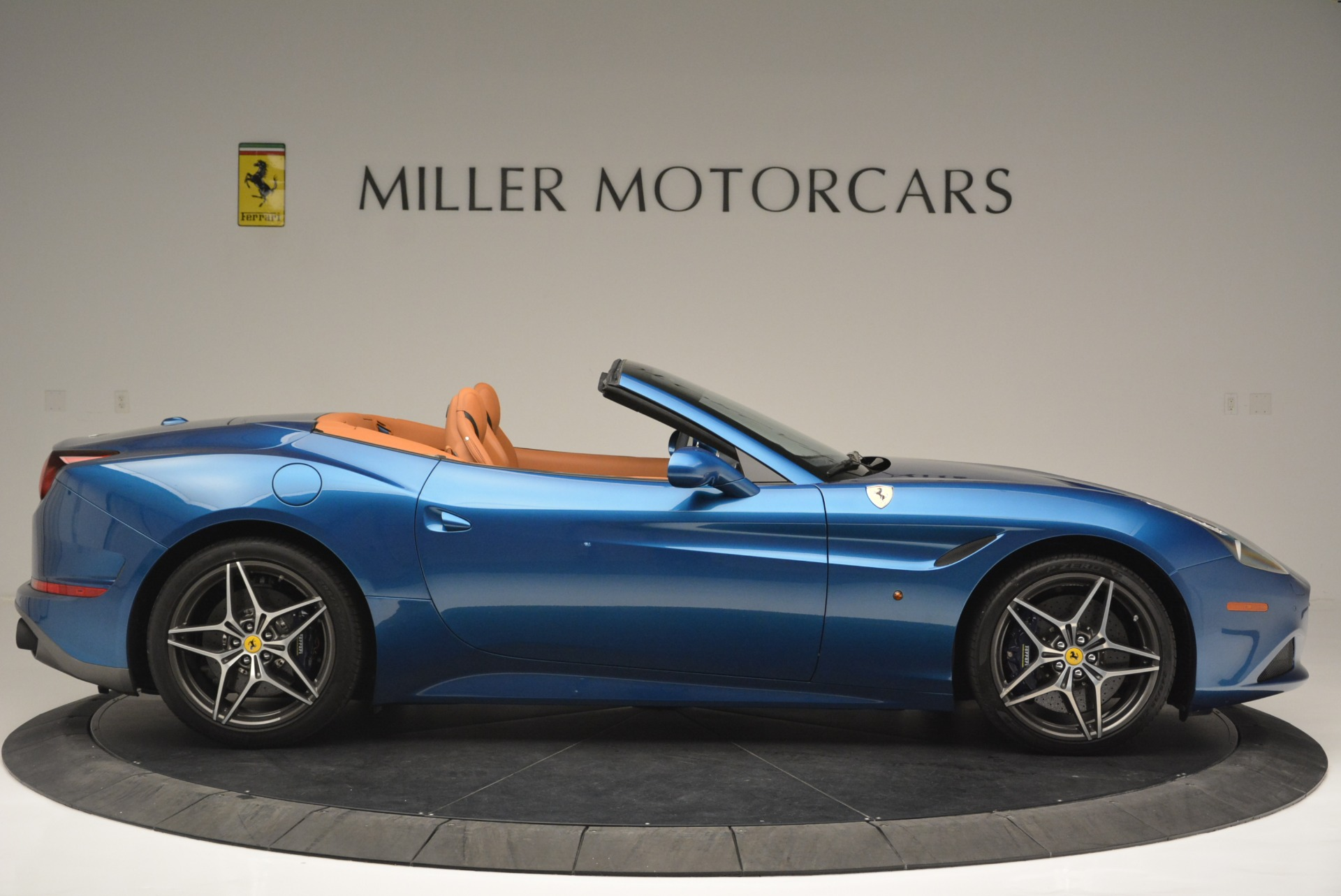 Used 2017 Ferrari California T Handling Speciale For Sale In Greenwich, CT 2313_p9