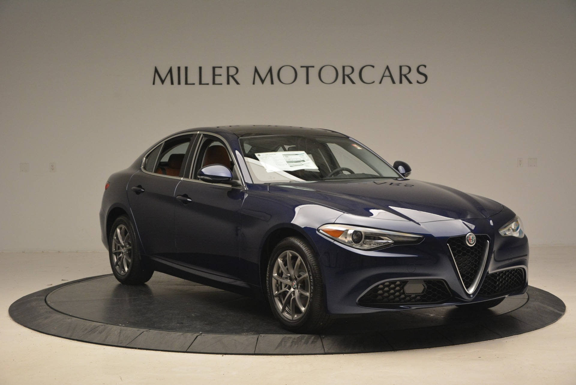 New 2018 Alfa Romeo Giulia Q4 For Sale In Greenwich, CT 2327_p11