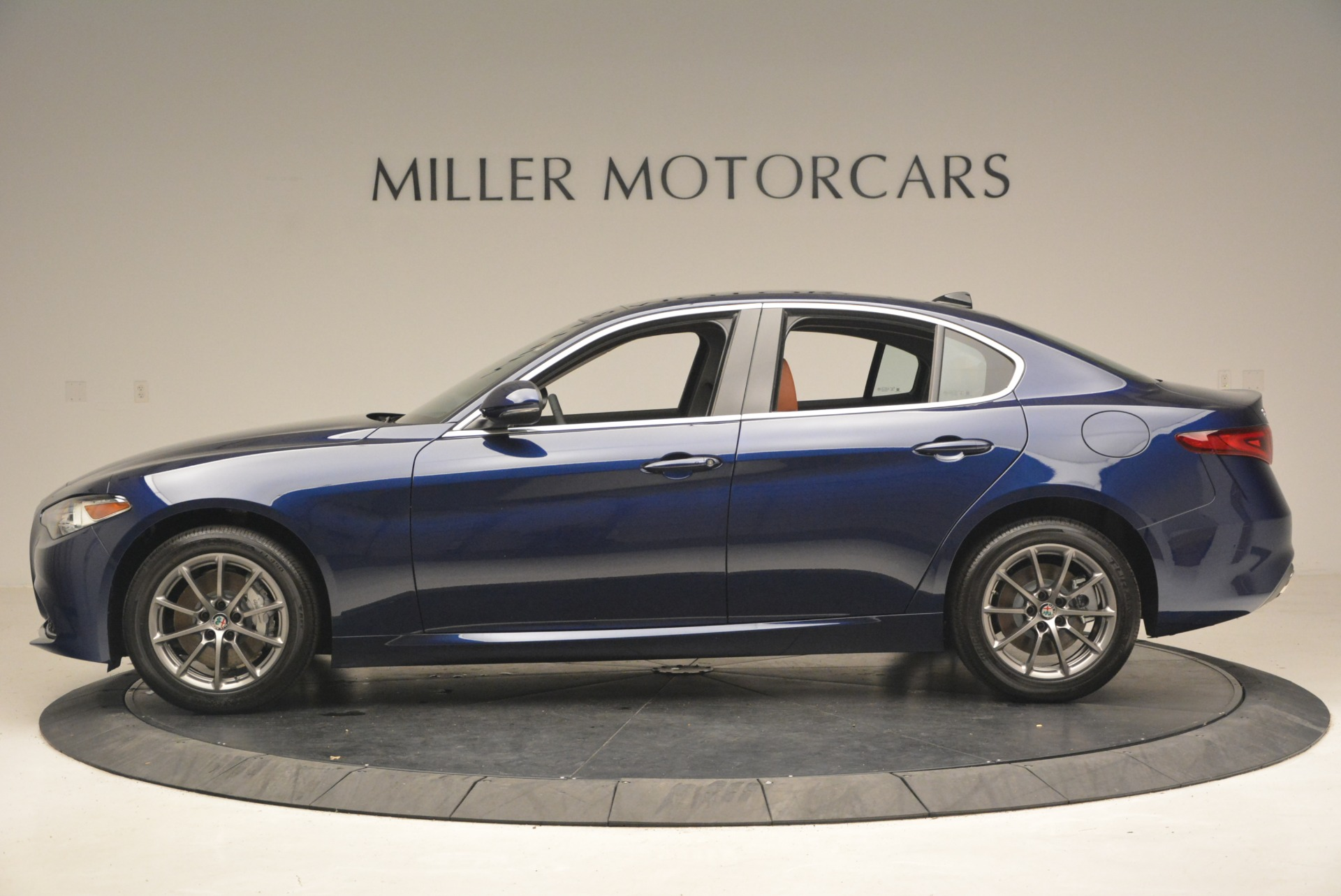 New 2018 Alfa Romeo Giulia Q4 For Sale In Greenwich, CT 2327_p3