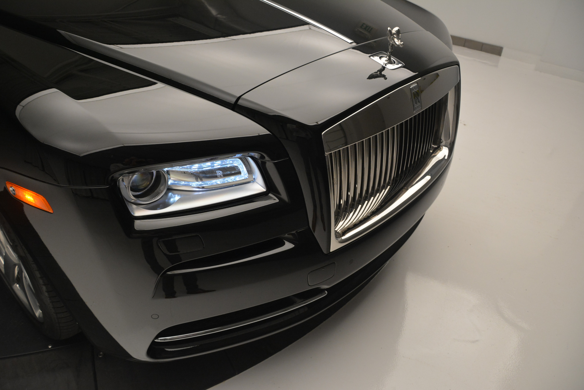Used 2015 Rolls-Royce Wraith  For Sale In Greenwich, CT 2335_p10