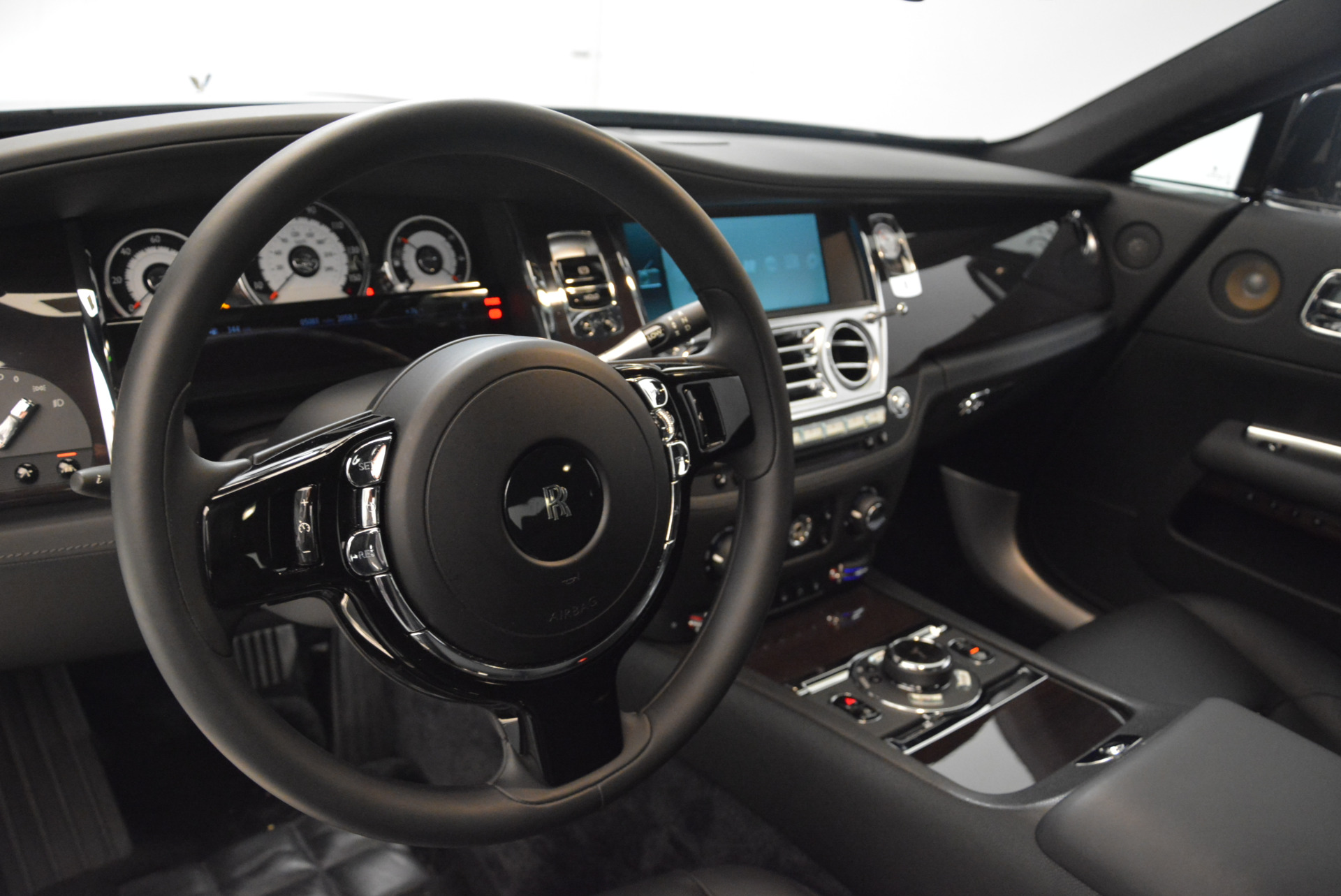 Used 2015 Rolls-Royce Wraith  For Sale In Greenwich, CT 2335_p15