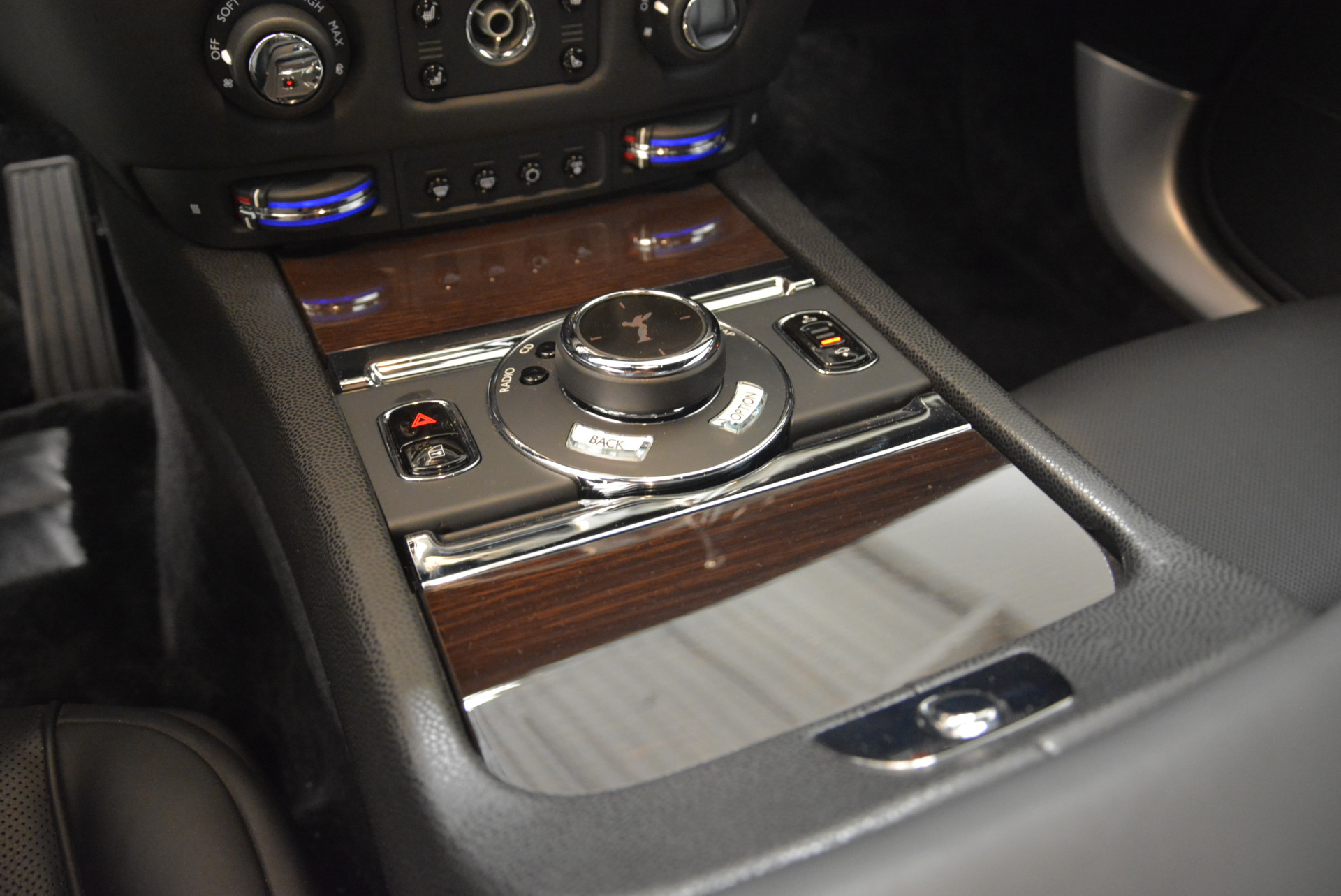 Used 2015 Rolls-Royce Wraith  For Sale In Greenwich, CT 2335_p17