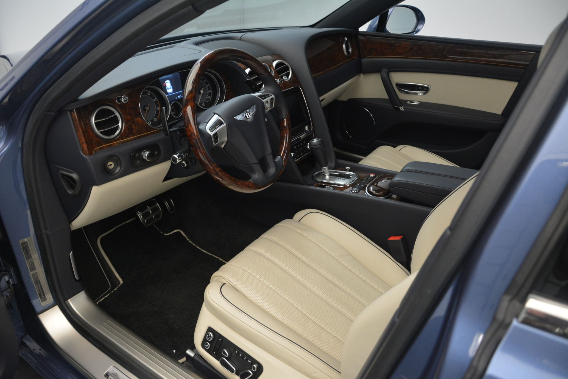 Used 2015 Bentley Flying Spur W12 For Sale In Greenwich, CT 2339_p19