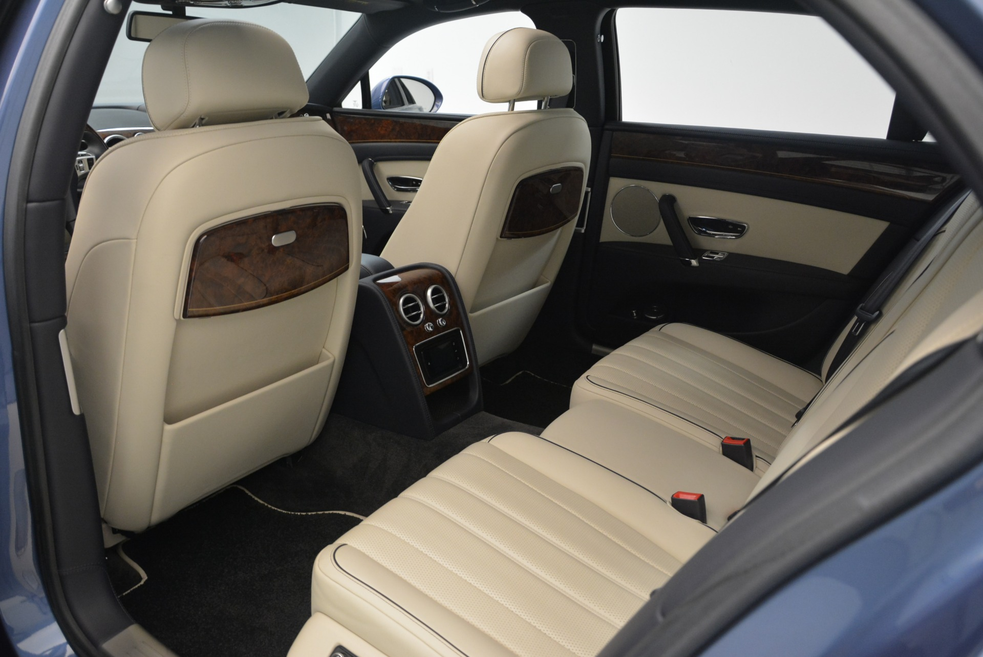 Used 2015 Bentley Flying Spur W12 For Sale In Greenwich, CT 2339_p26