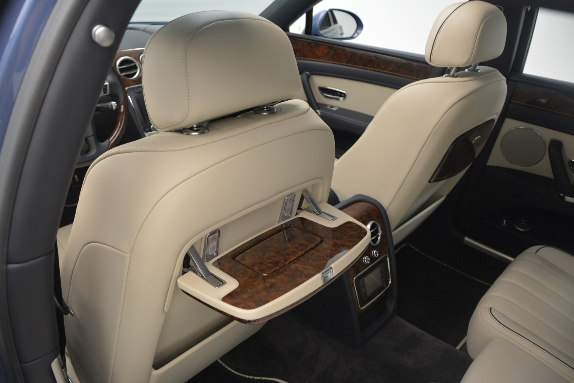 Used 2015 Bentley Flying Spur W12 For Sale In Greenwich, CT 2339_p27