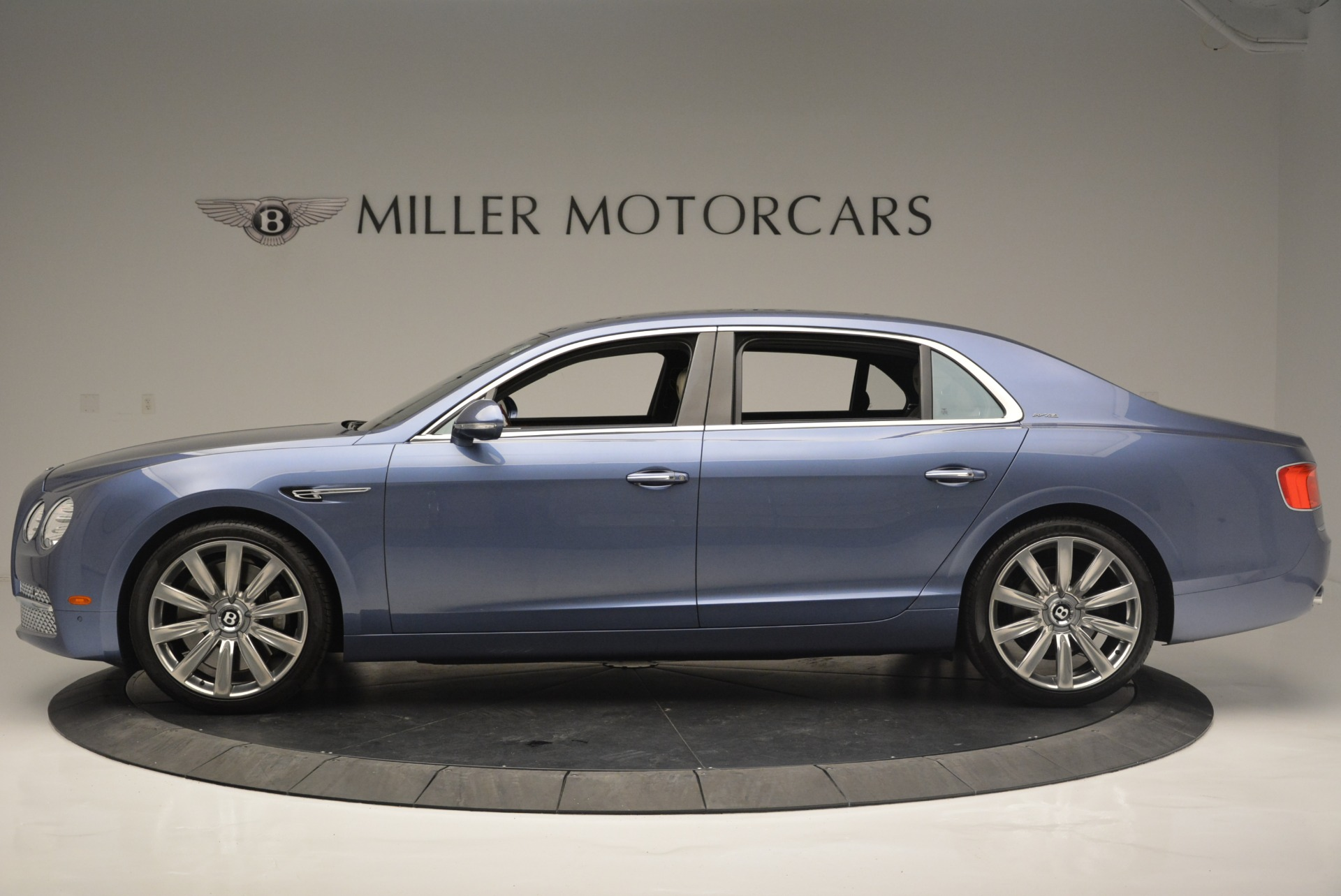 Used 2015 Bentley Flying Spur W12 For Sale In Greenwich, CT 2339_p3