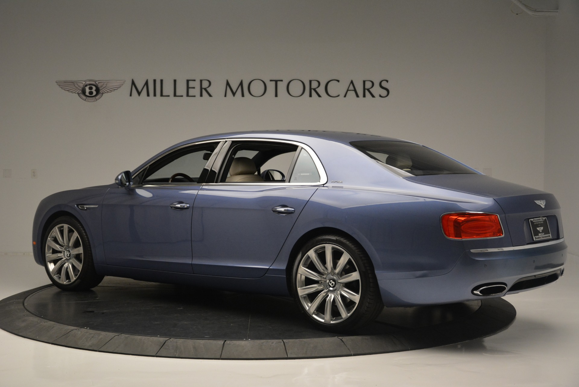 Used 2015 Bentley Flying Spur W12 For Sale In Greenwich, CT 2339_p4