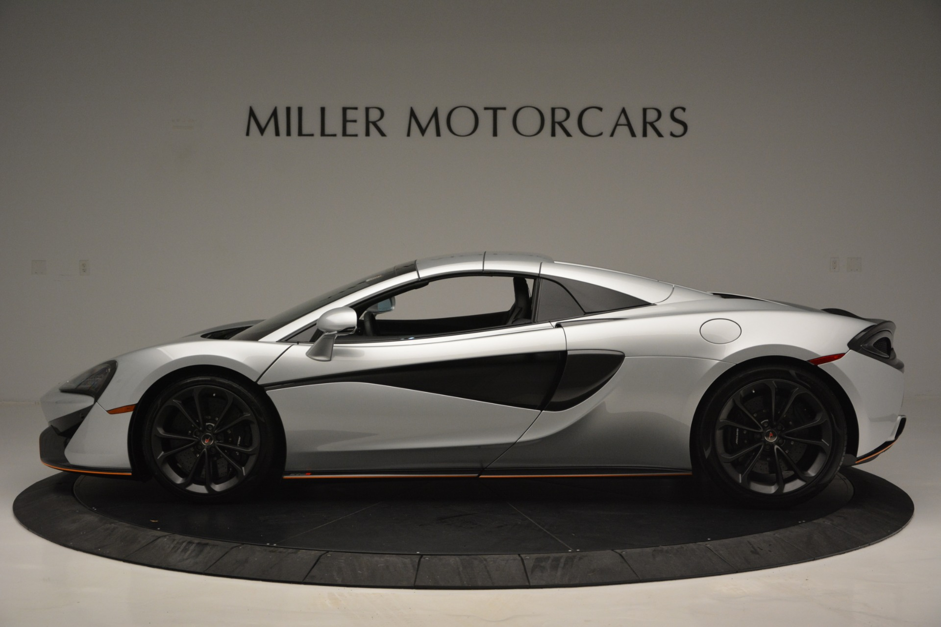 Used 2018 McLaren 570S Spider For Sale In Greenwich, CT 2340_p16