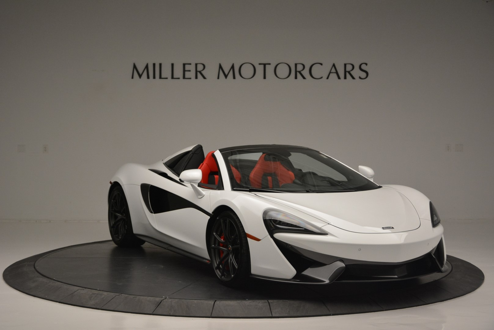 Used 2018 McLaren 570S Spider For Sale In Greenwich, CT 2341_p11