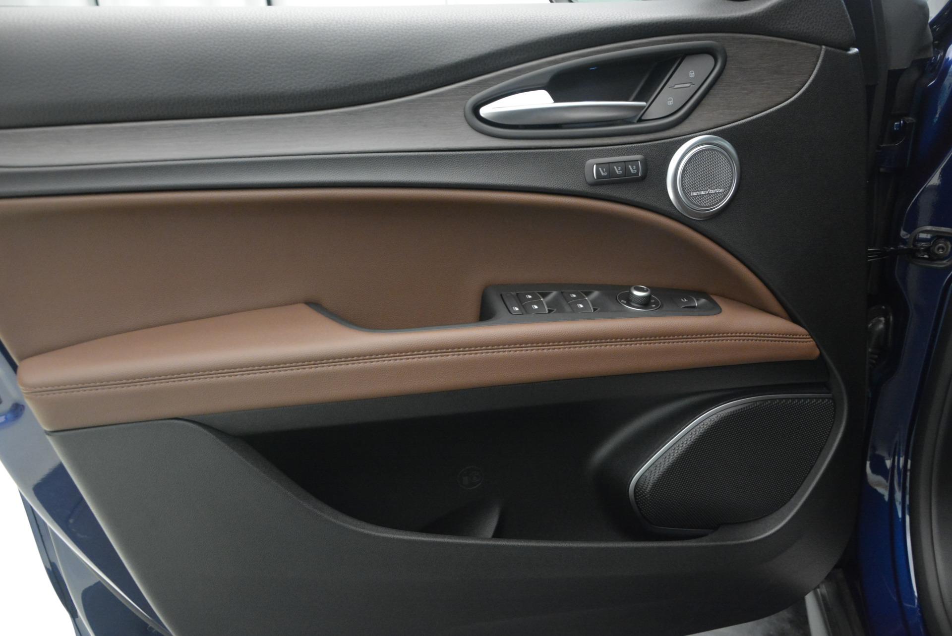 New 2018 Alfa Romeo Stelvio Ti Q4 For Sale In Greenwich, CT 2349_p19