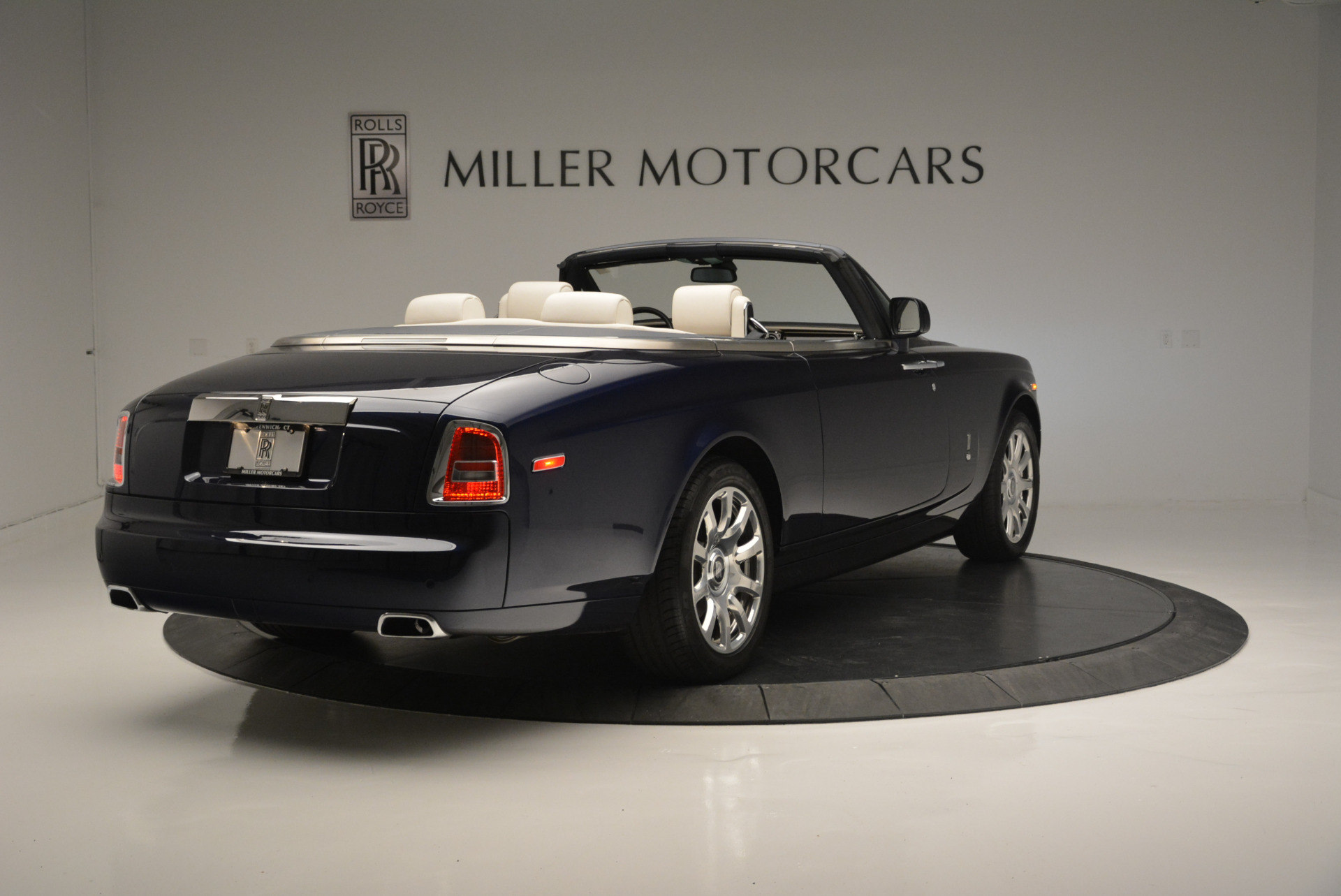 Used 2014 Rolls-Royce Phantom Drophead Coupe  For Sale In Greenwich, CT 2356_p5