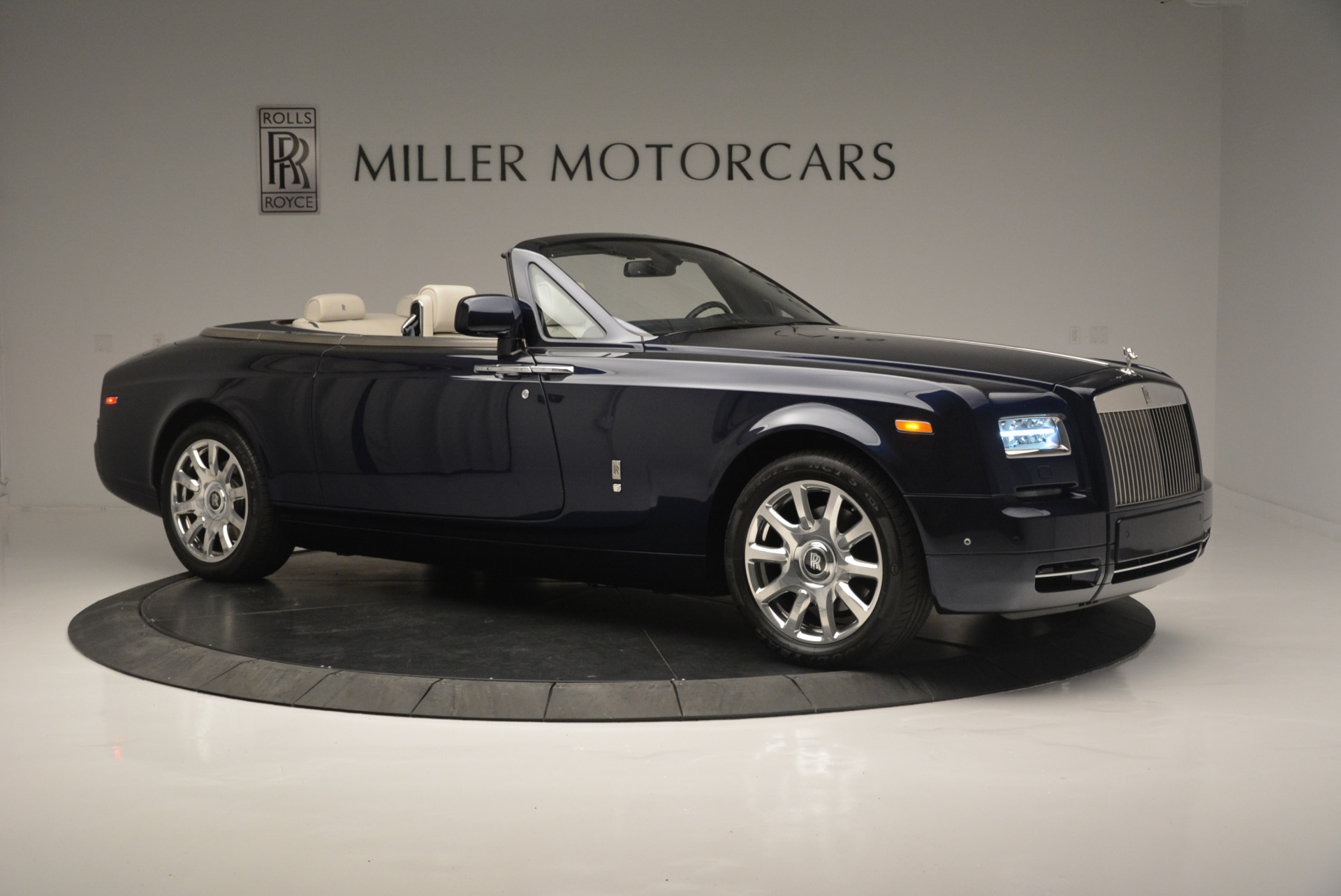 Used 2014 Rolls-Royce Phantom Drophead Coupe  For Sale In Greenwich, CT 2356_p7