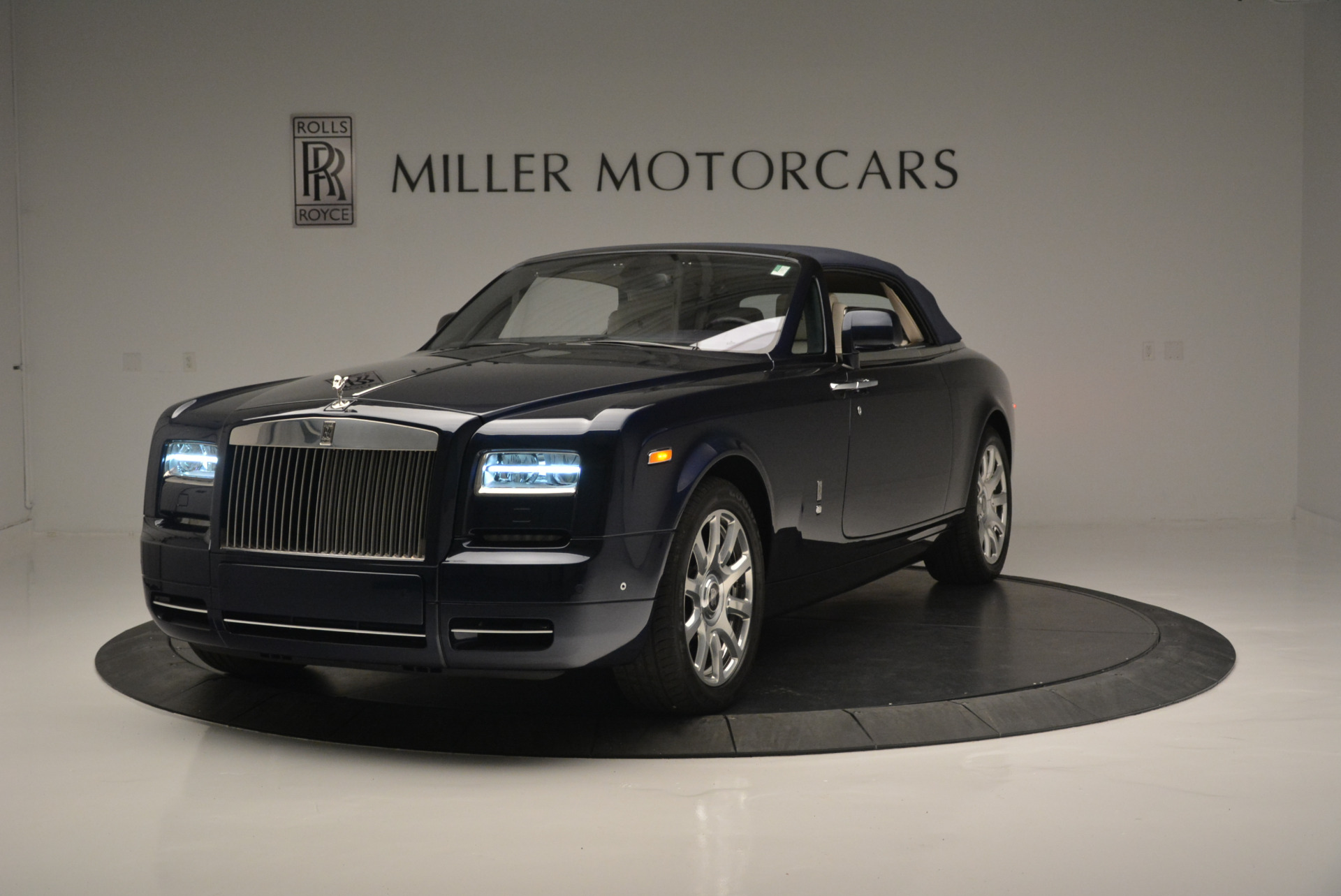 Used 2014 Rolls-Royce Phantom Drophead Coupe  For Sale In Greenwich, CT 2356_p9