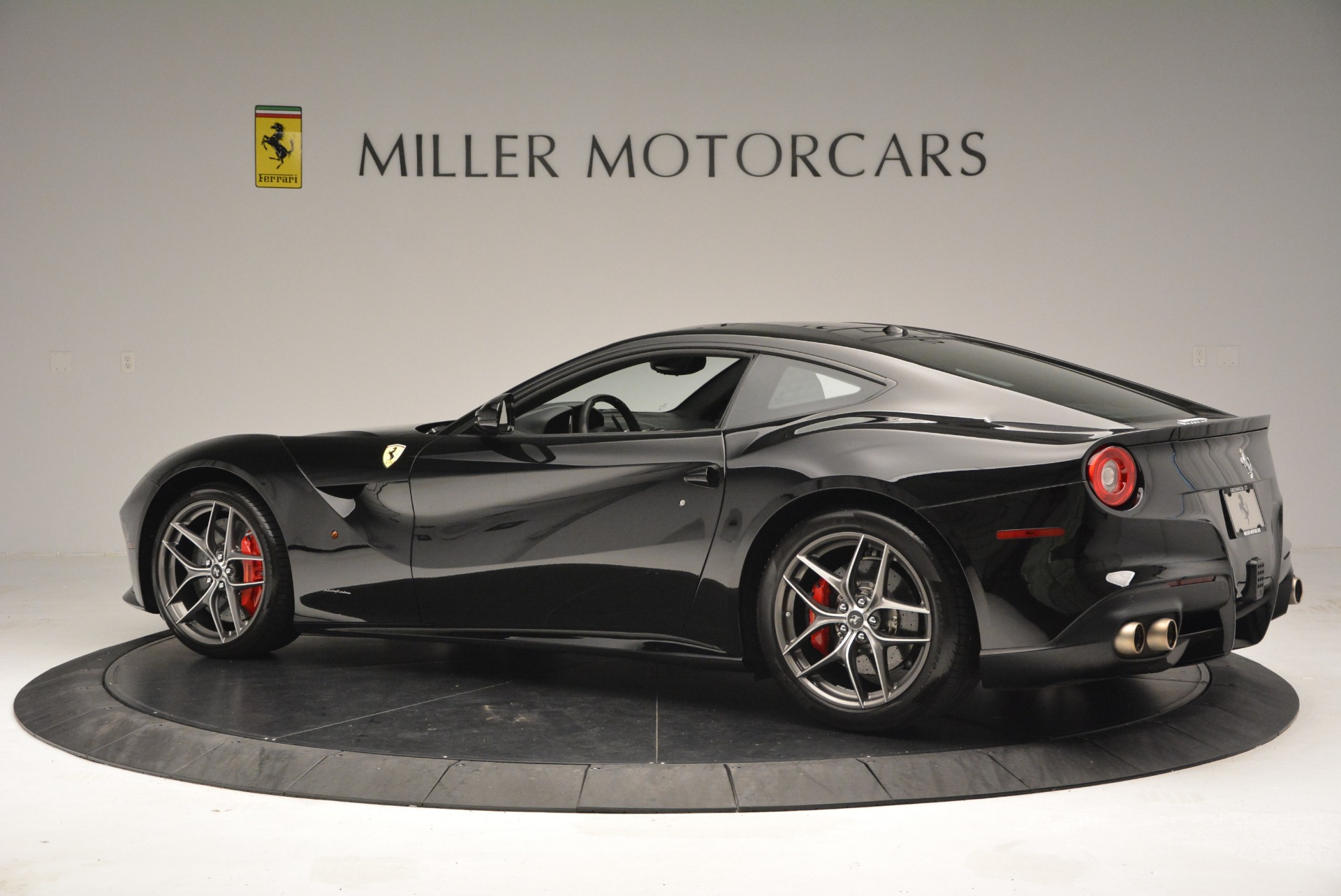 Used 2014 Ferrari F12 Berlinetta  For Sale In Greenwich, CT 2358_p4