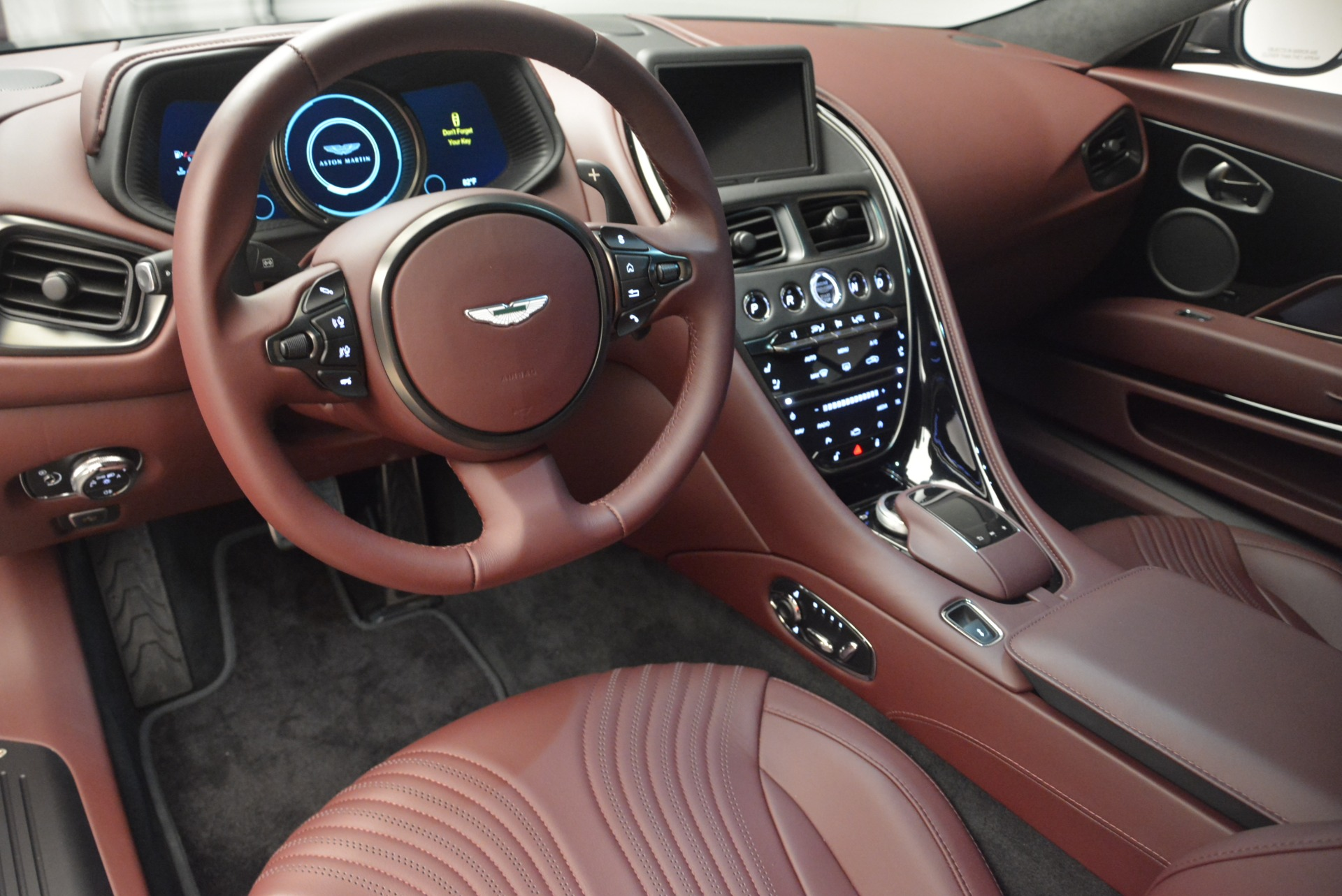 New 2018 Aston Martin DB11 V12 Coupe For Sale In Greenwich, CT 2364_p14