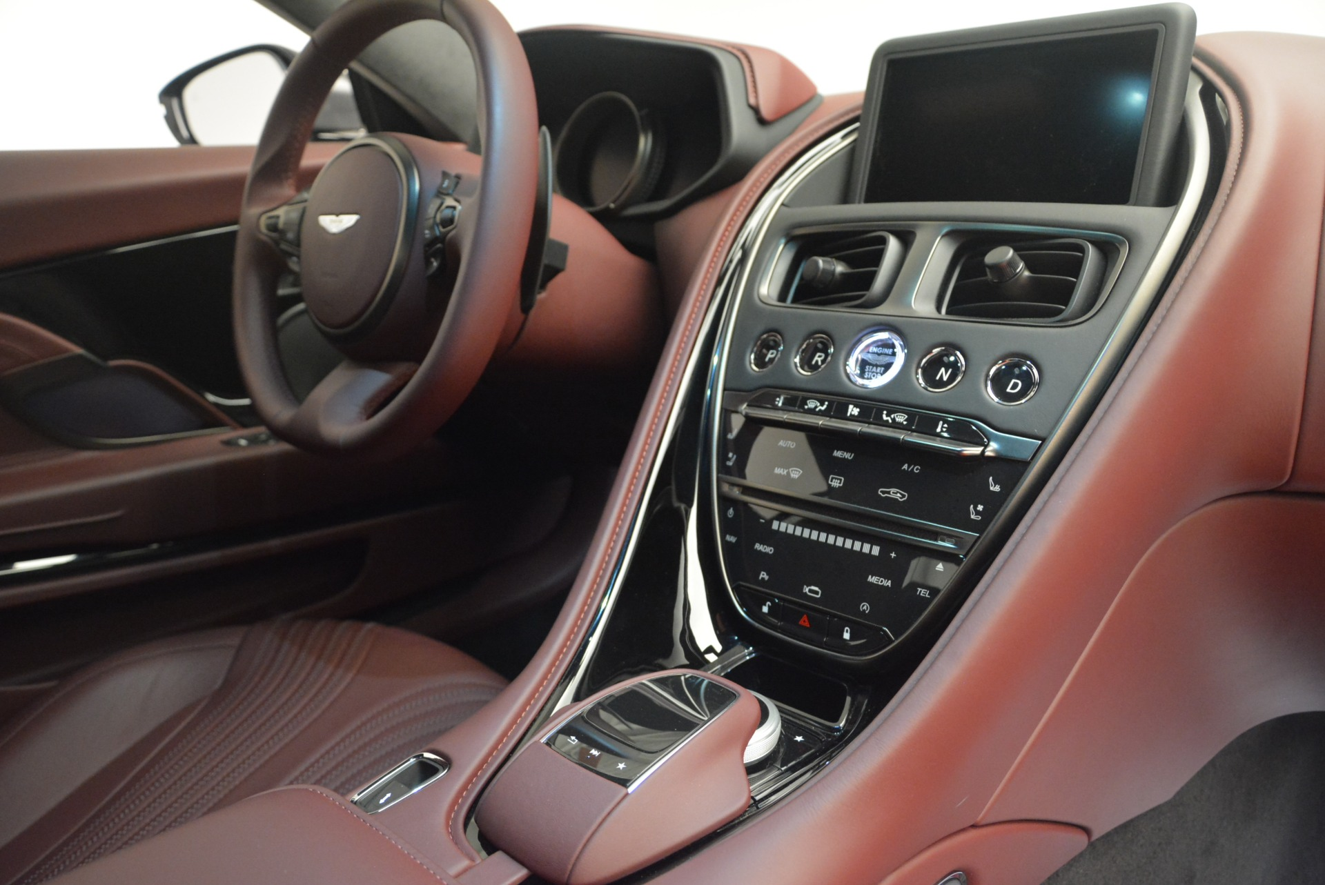 New 2018 Aston Martin DB11 V12 Coupe For Sale In Greenwich, CT 2364_p18
